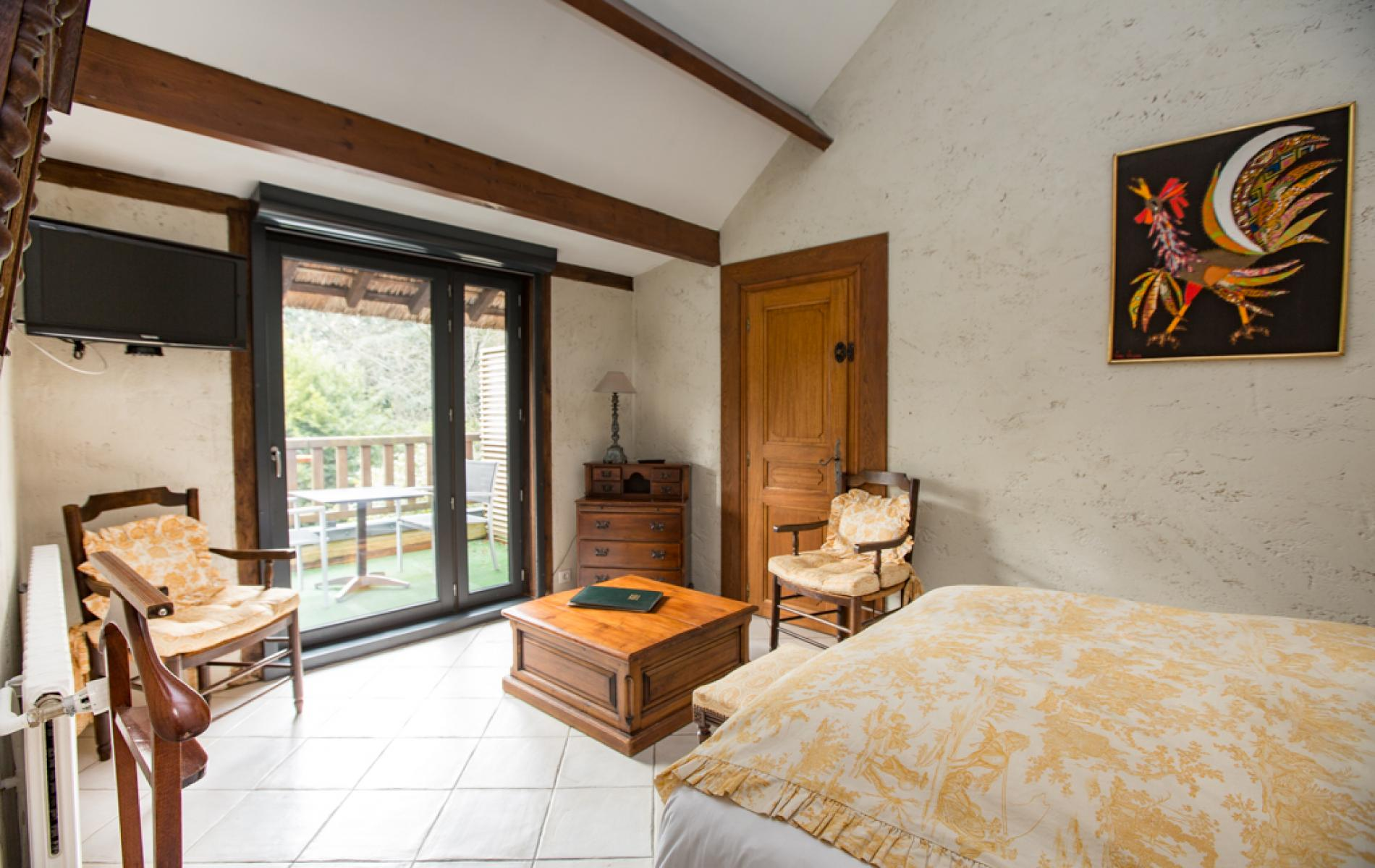 Rooms at Le Petit Coq aux Champs Hotel in Pont-Audemer