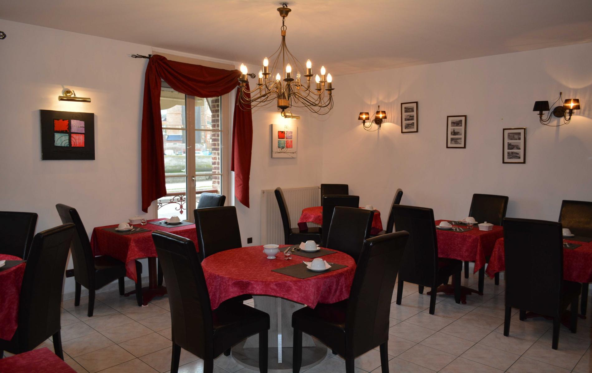 salle petit déjeuner annexe