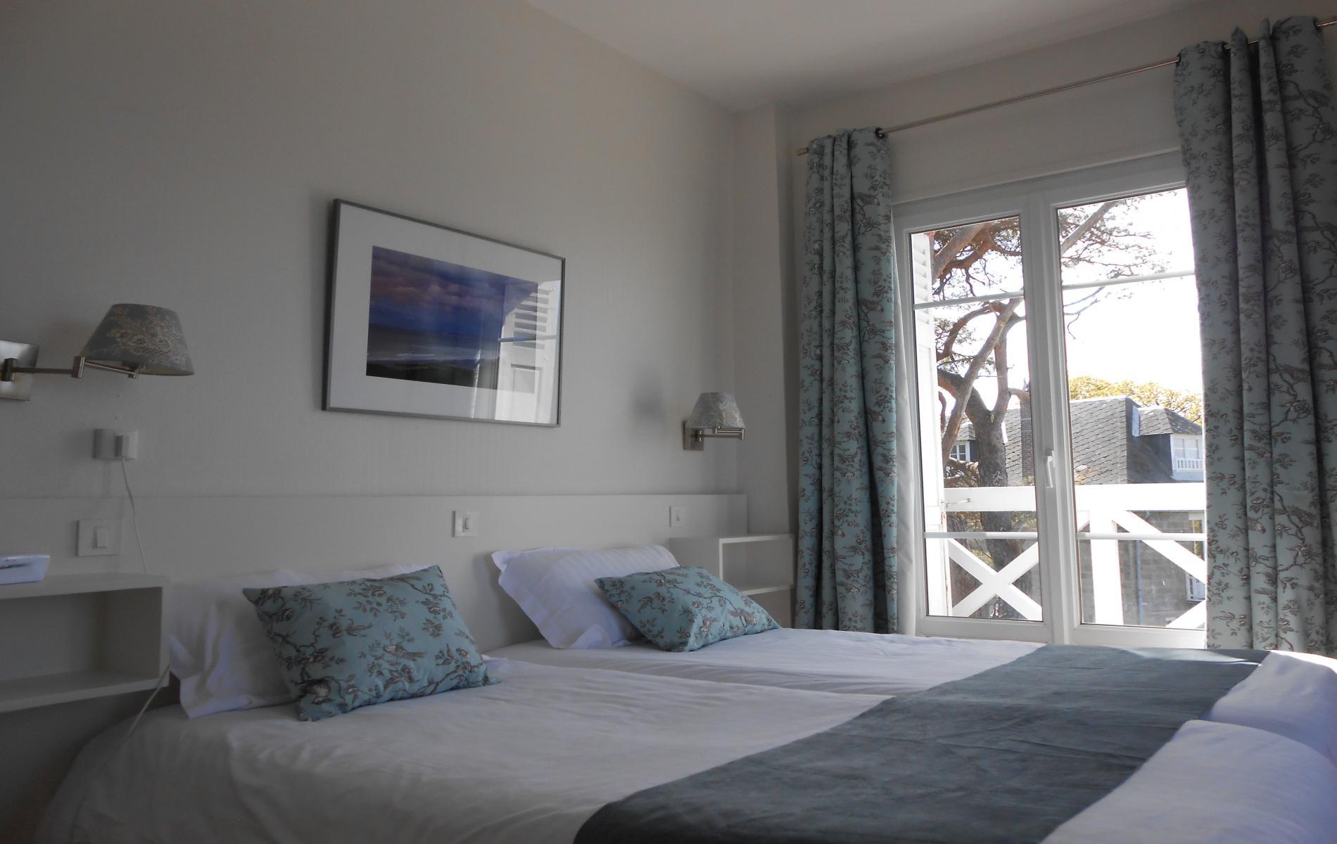 Chambre hotel de la terrasse varengeville vue mer