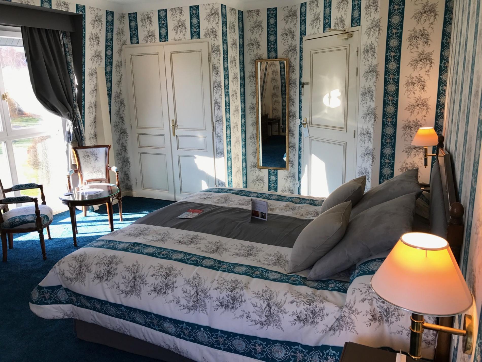 Chambre lumineuse pour une réunion à Deauville