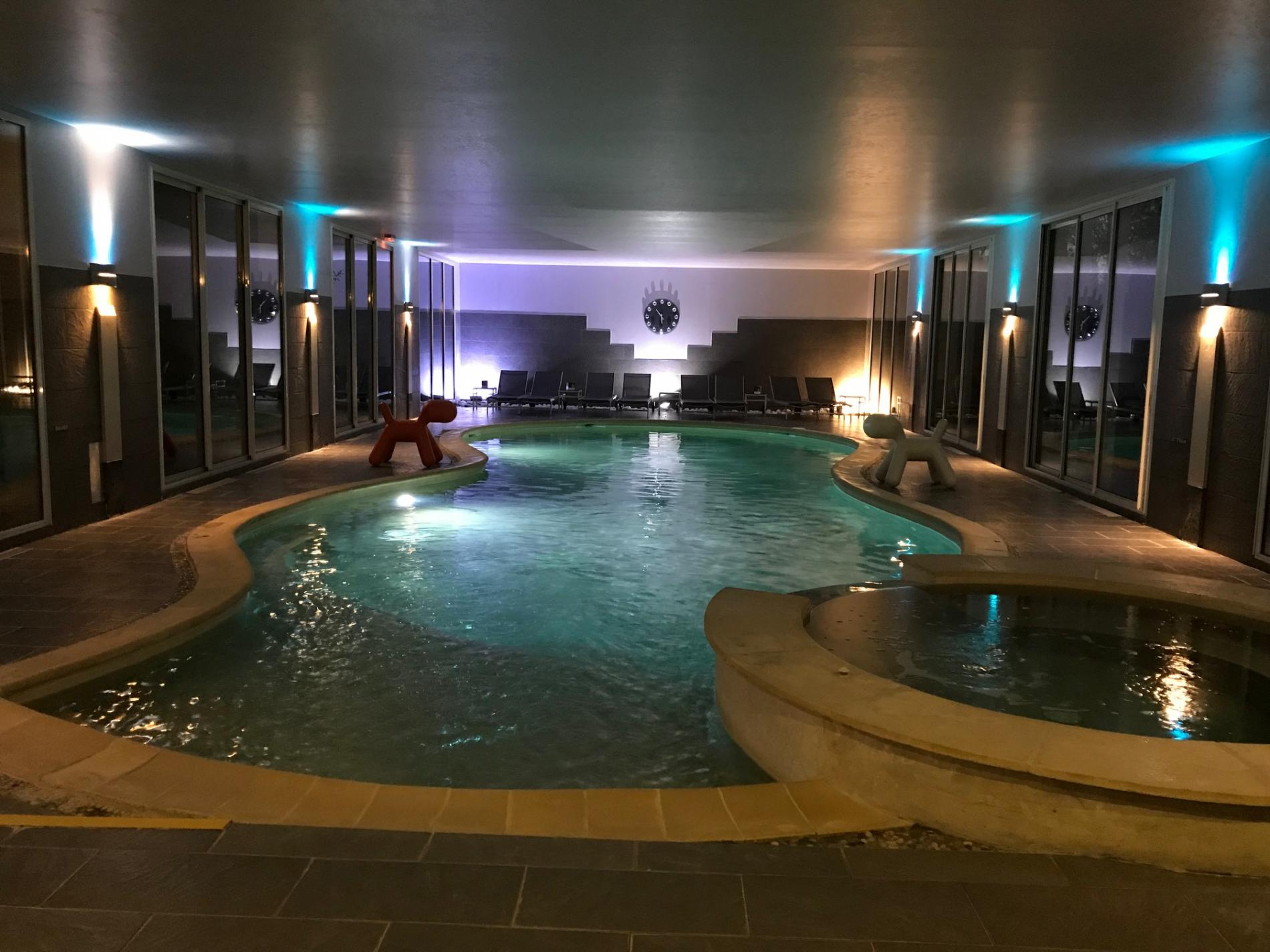 Piscine du spa normandie la piscine couverte du spa entre - Gite avec piscine couverte normandie ...