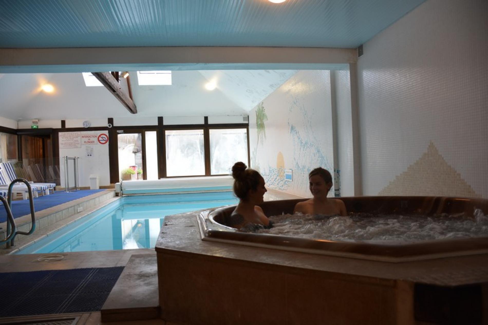 Hotel deauville avec piscine hotel 3 toiles deauville for Piscine deauville spa