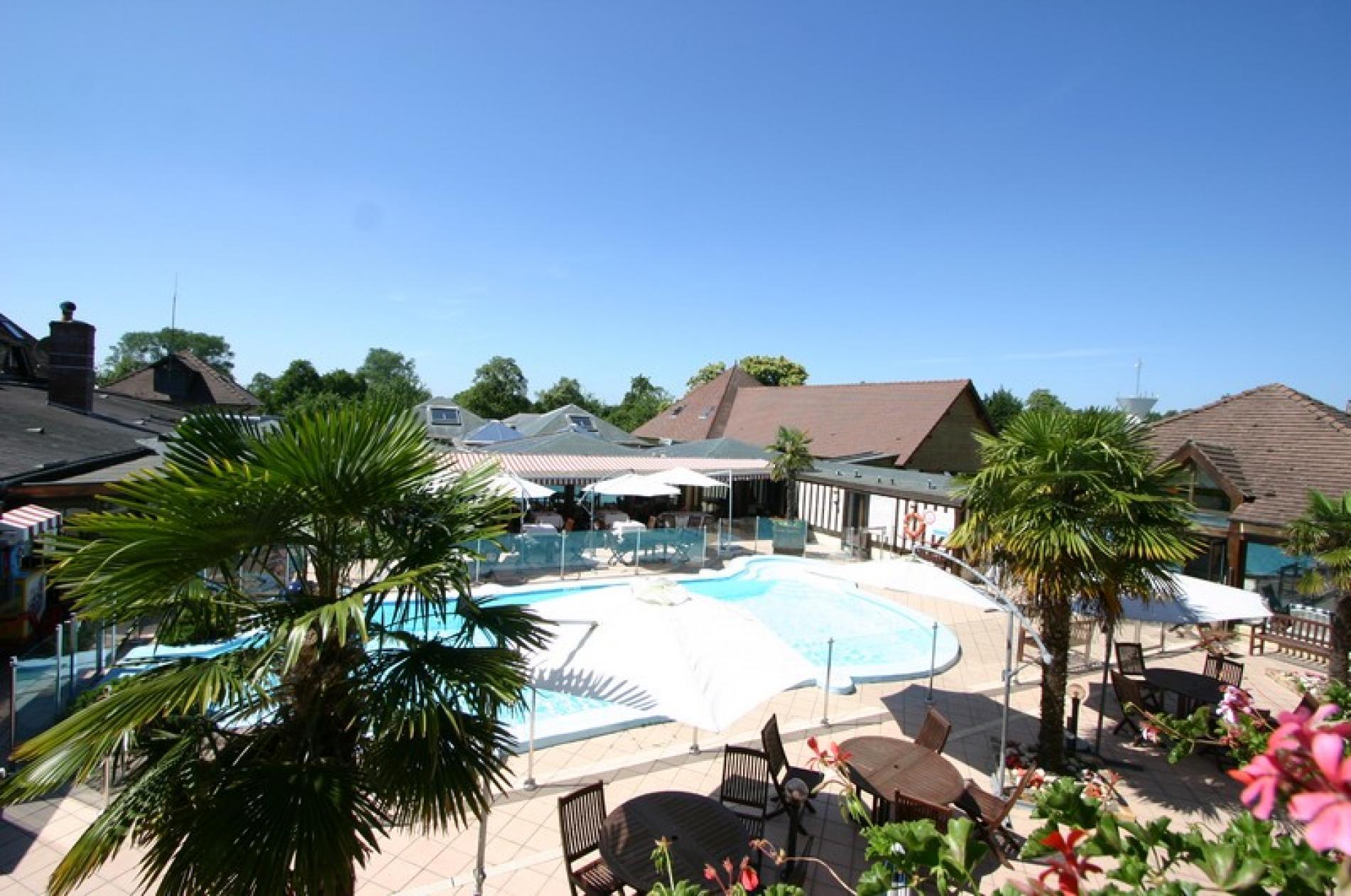 Hotel deauville avec piscine hotel 3 toiles deauville for Piscine spa deauville