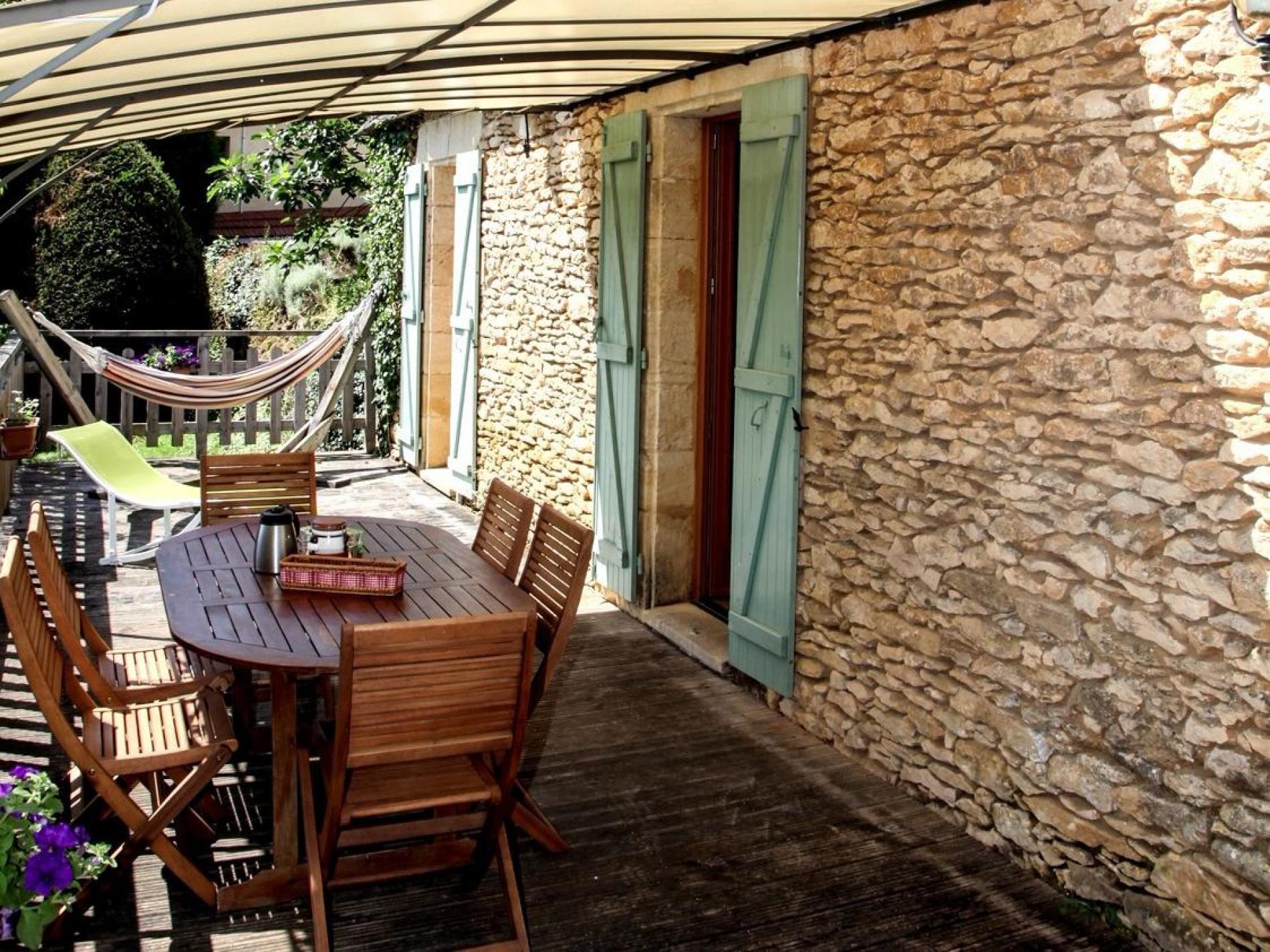 2 chambres « en gîte » dans une maison traditionnelle dont le toit est en lauze