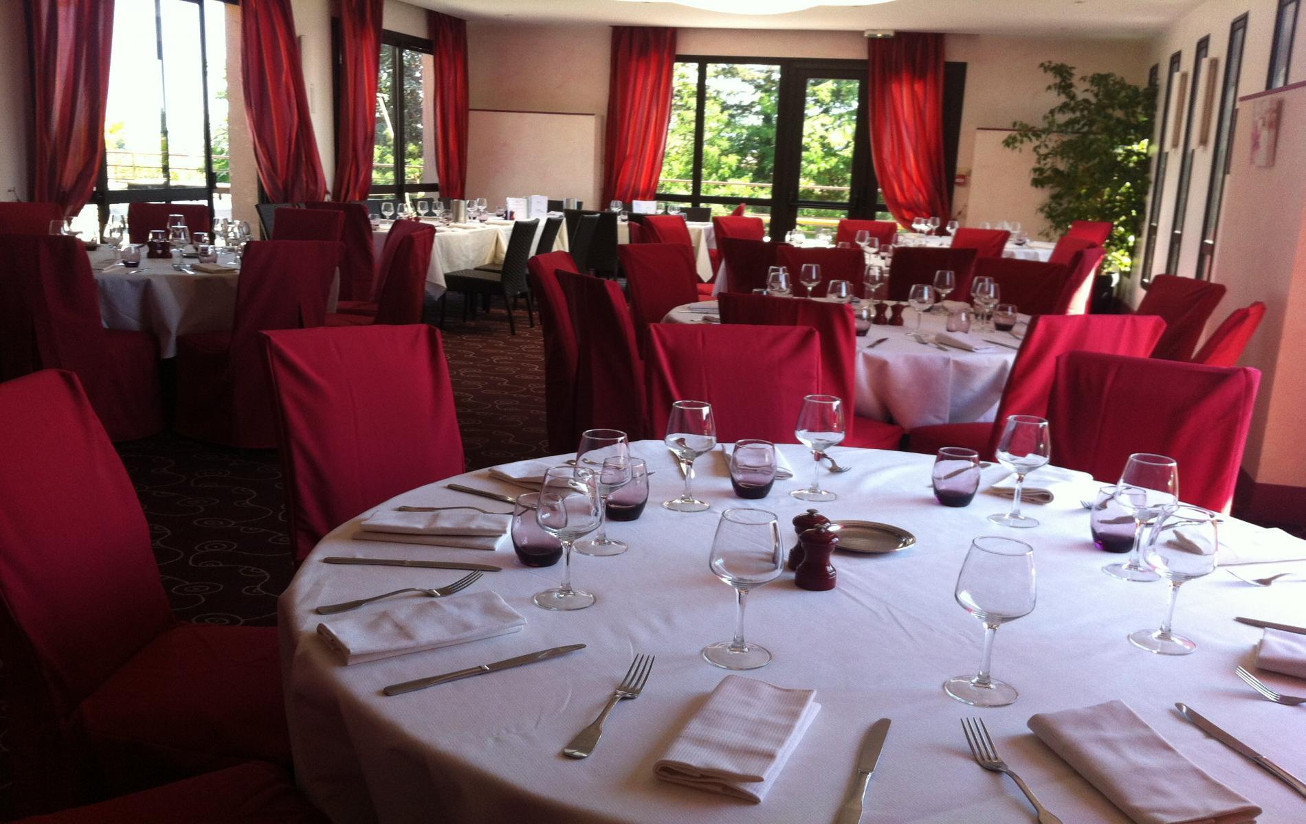 Salle privatisable pour groupes, repas de famille