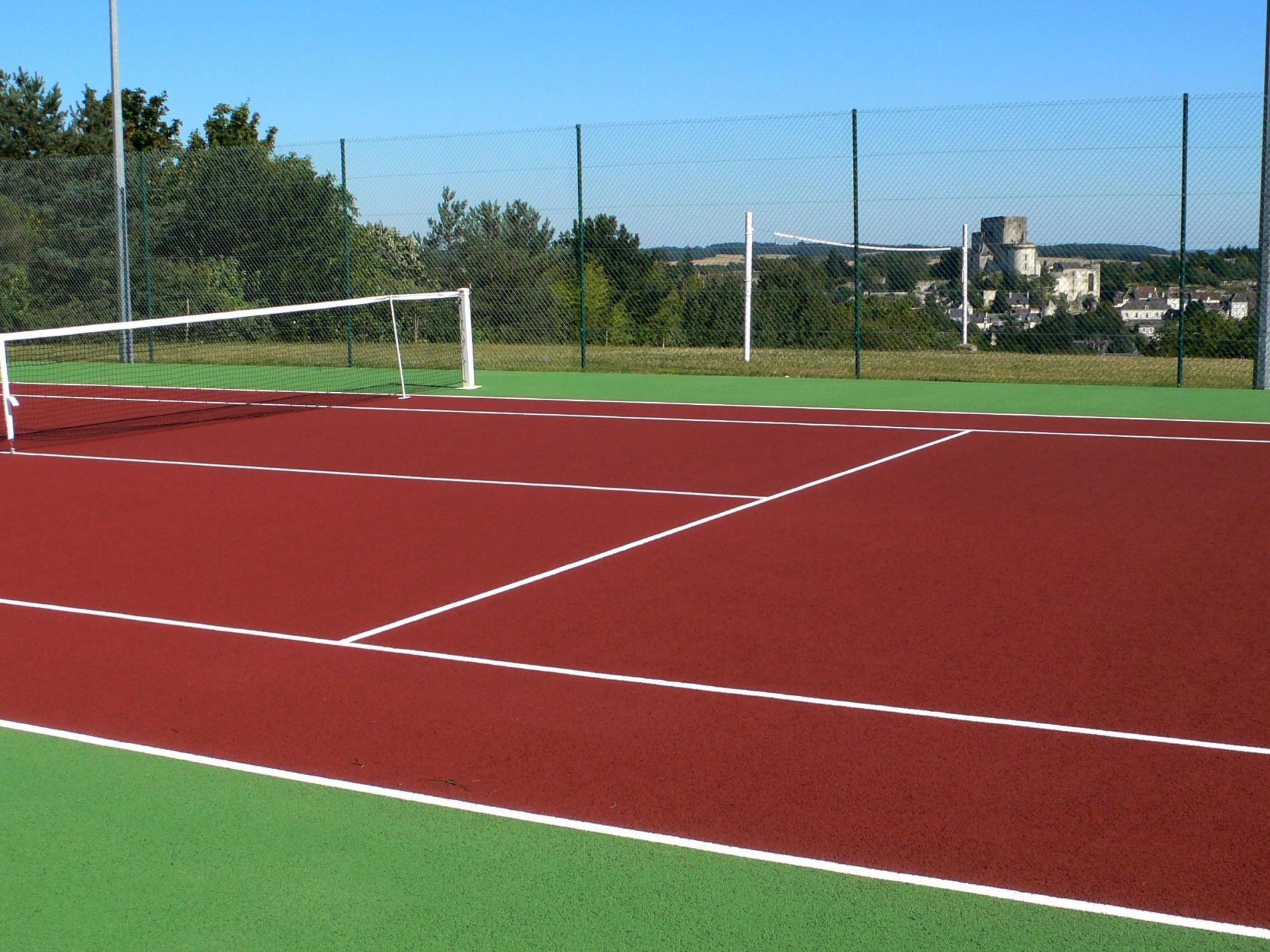 Terrain de Tennis, volley et pétanque, Billard, Ping-pong