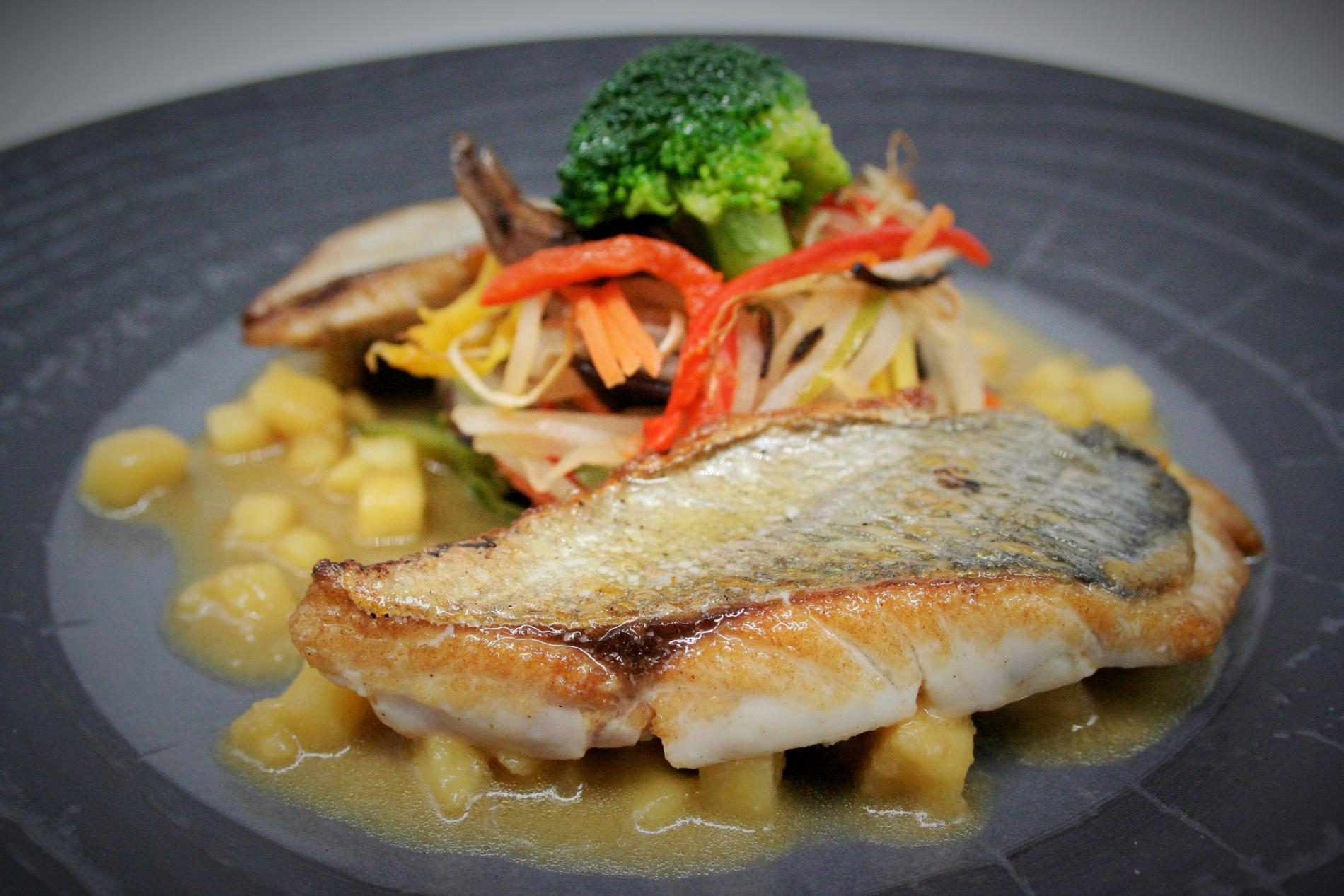 Bream and vegetable wok