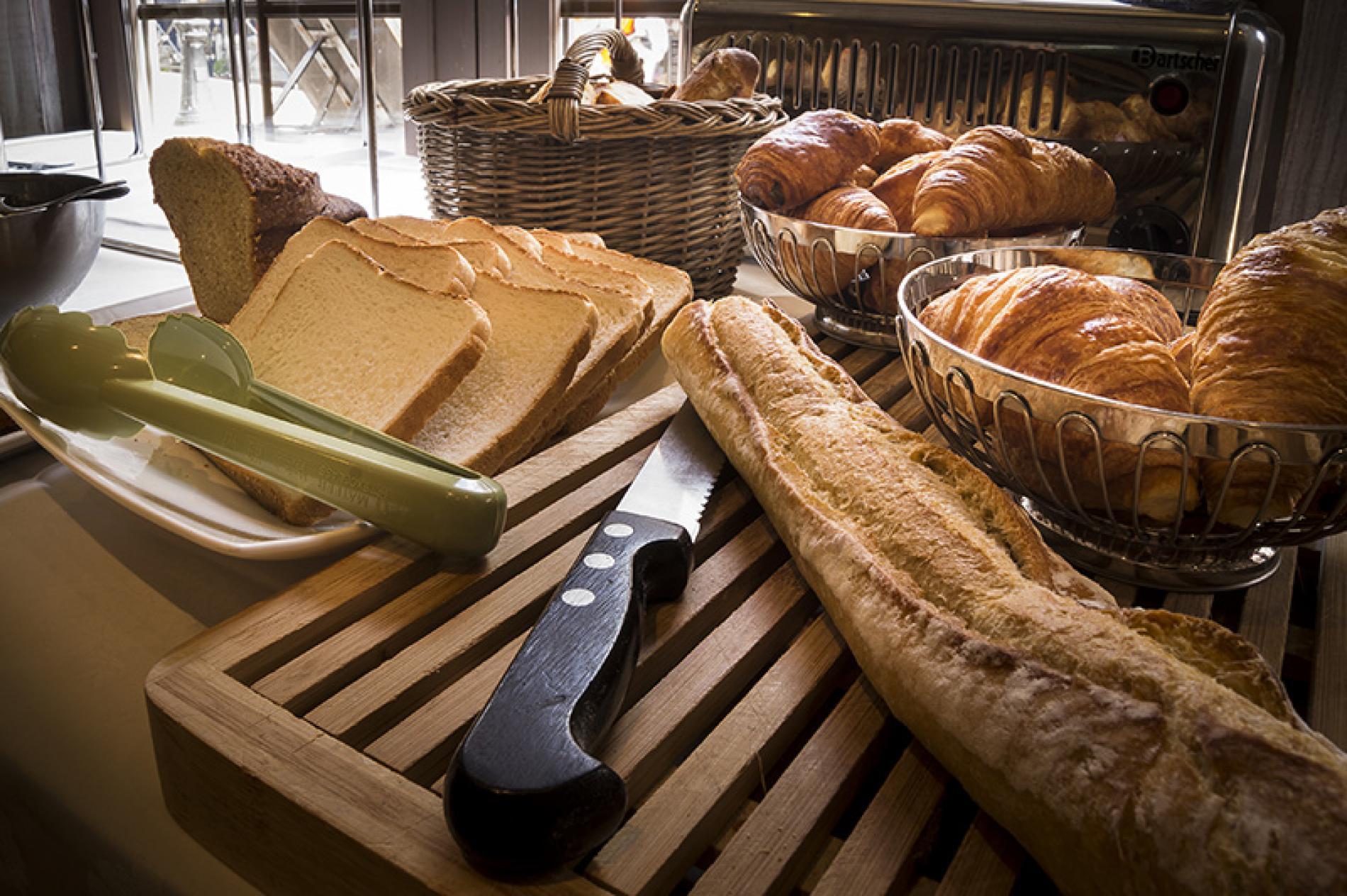 Chambre Standard Deluxe Petits Déjeuners Inclus