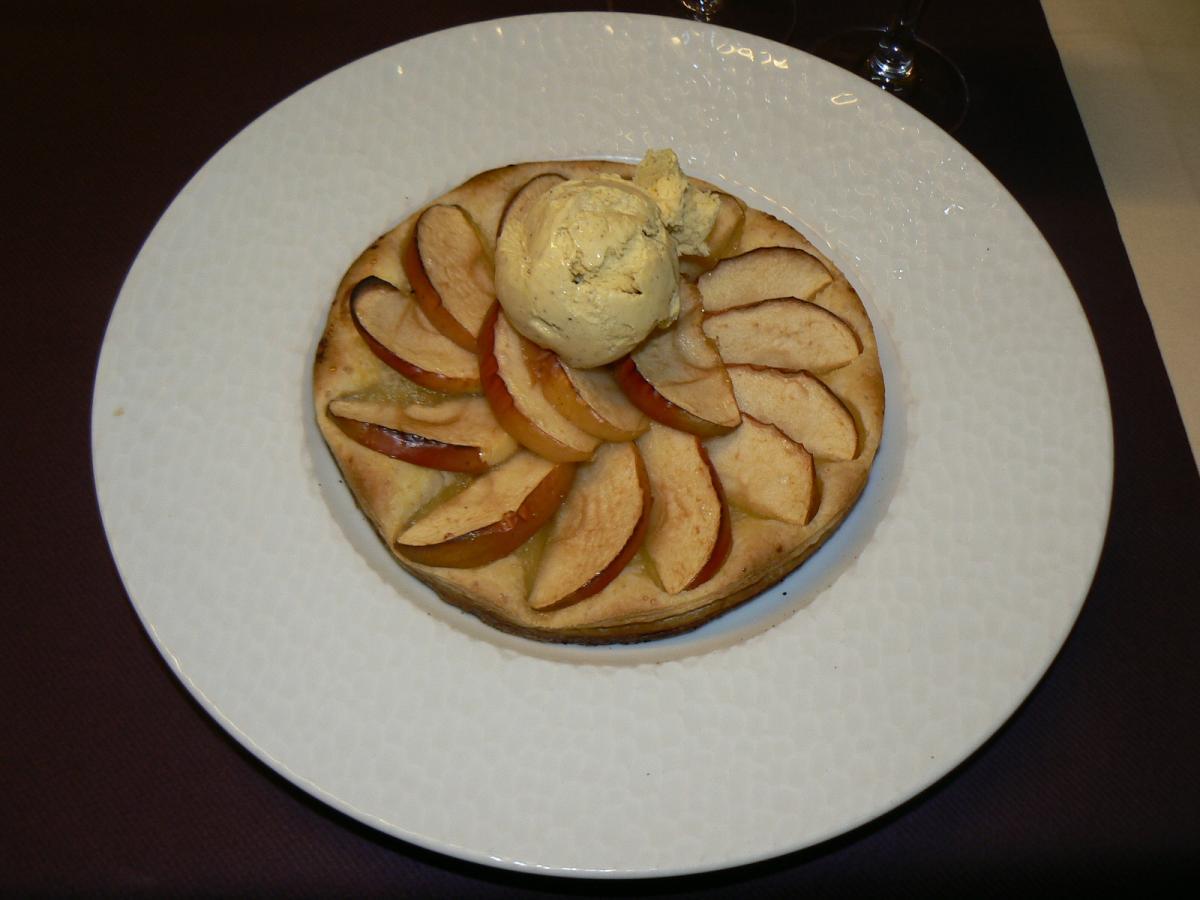 tarte fine aux pommes et sa glace vanille