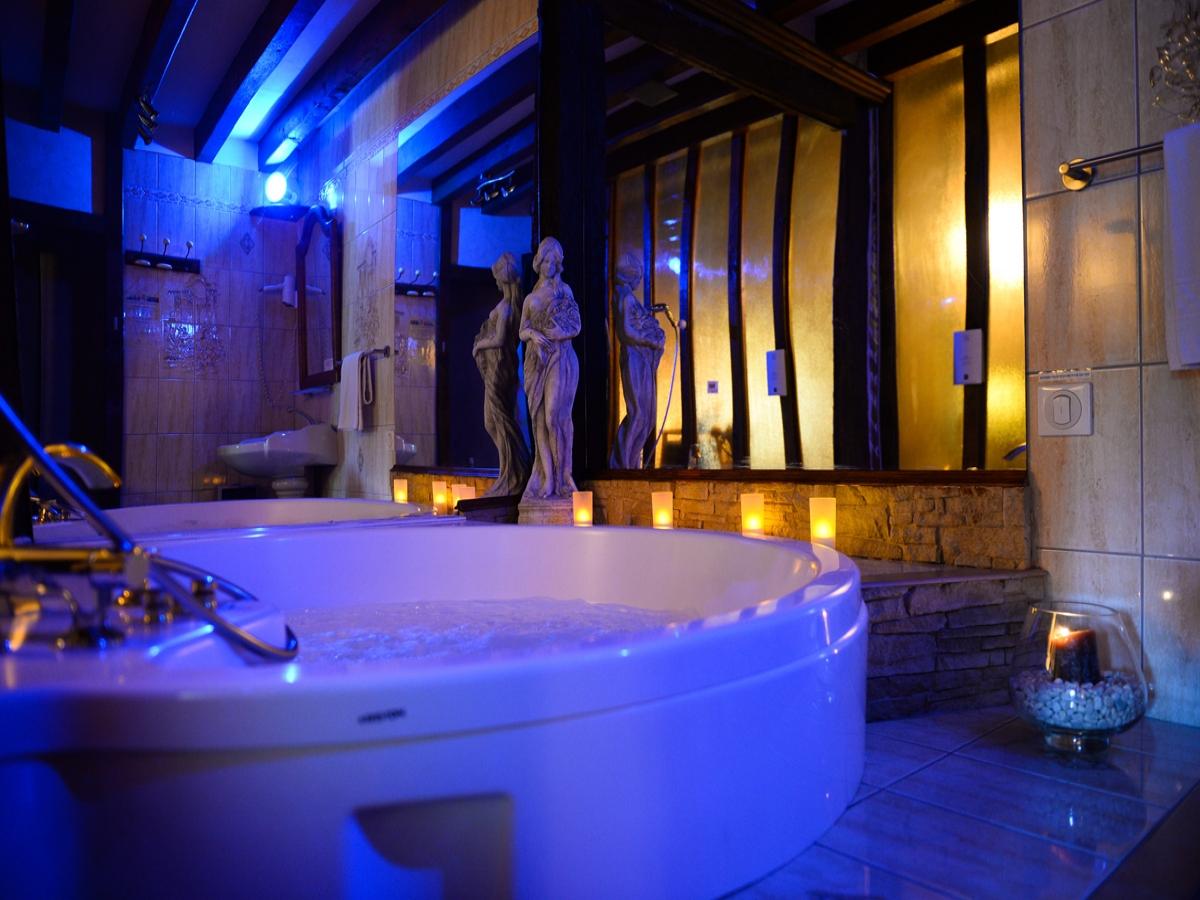 Chambres D Hotel Avec Jacuzzi En Mayenne Les Chambres De L