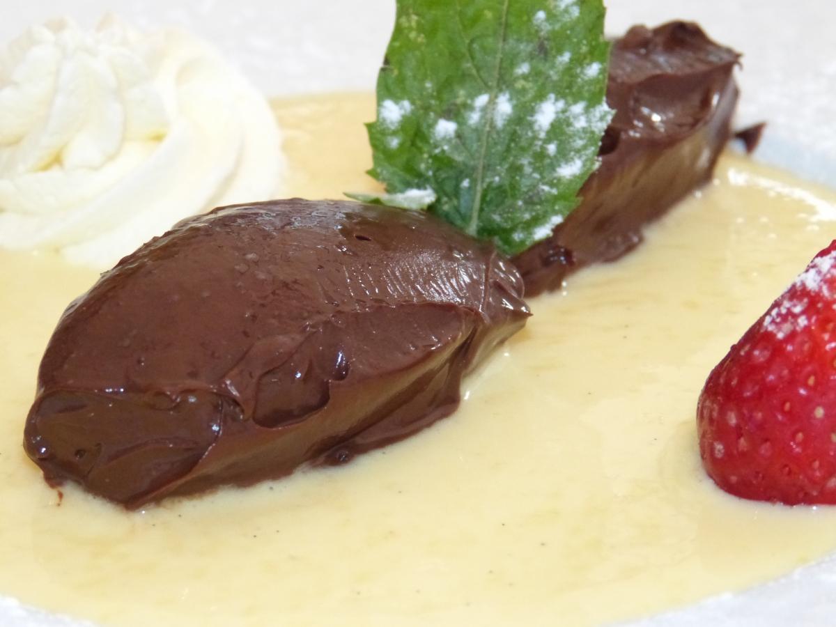 fondant au chocolat & cremé anglaise - maison