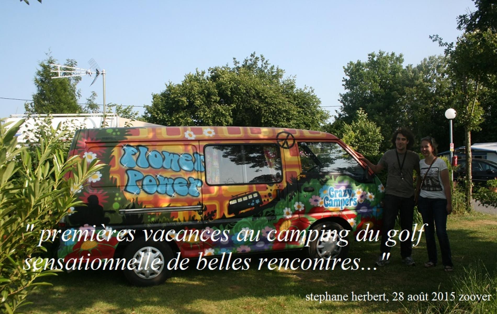 Le camping diispose d'emplacements pour camping car