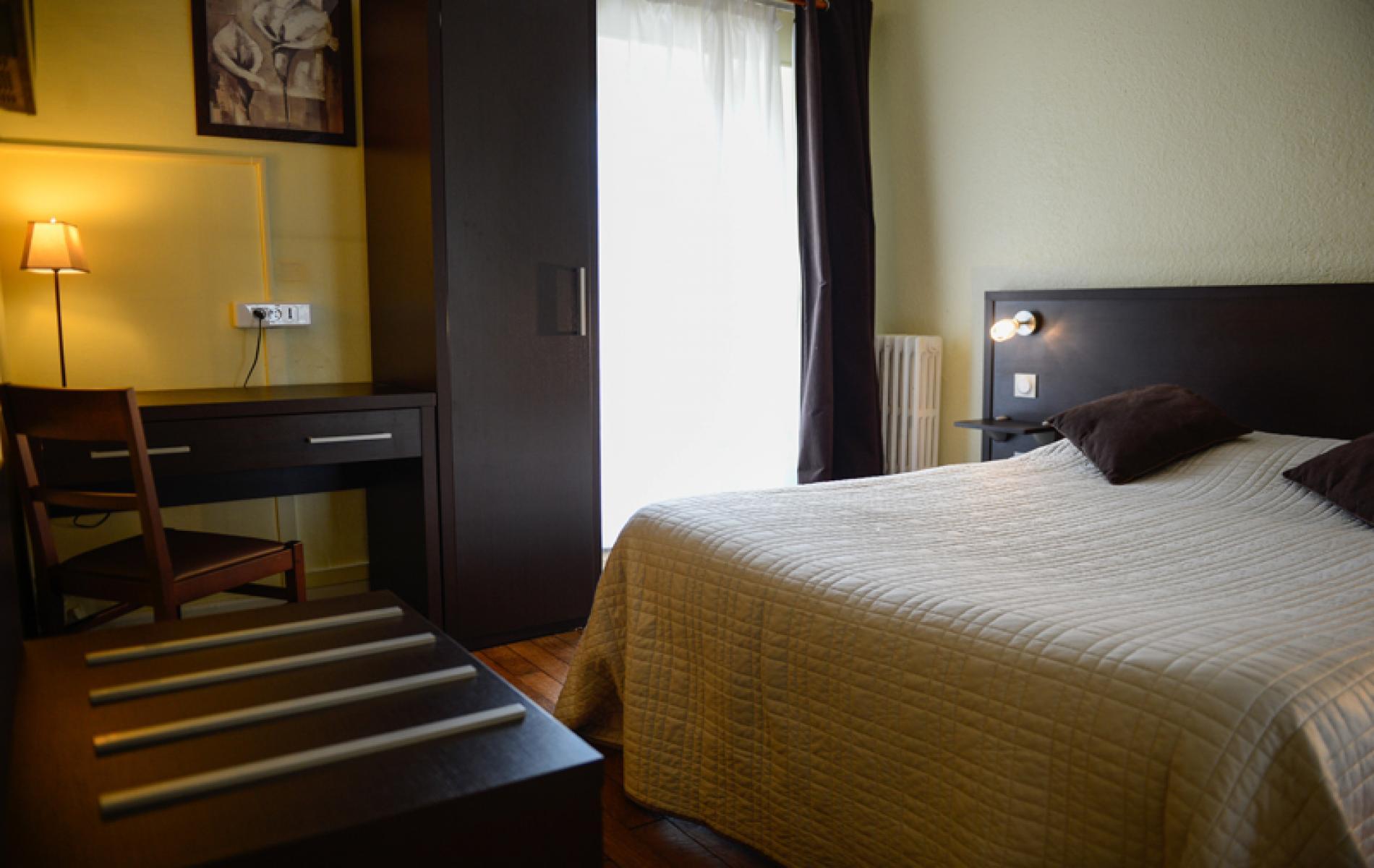 Chambre double avec douche