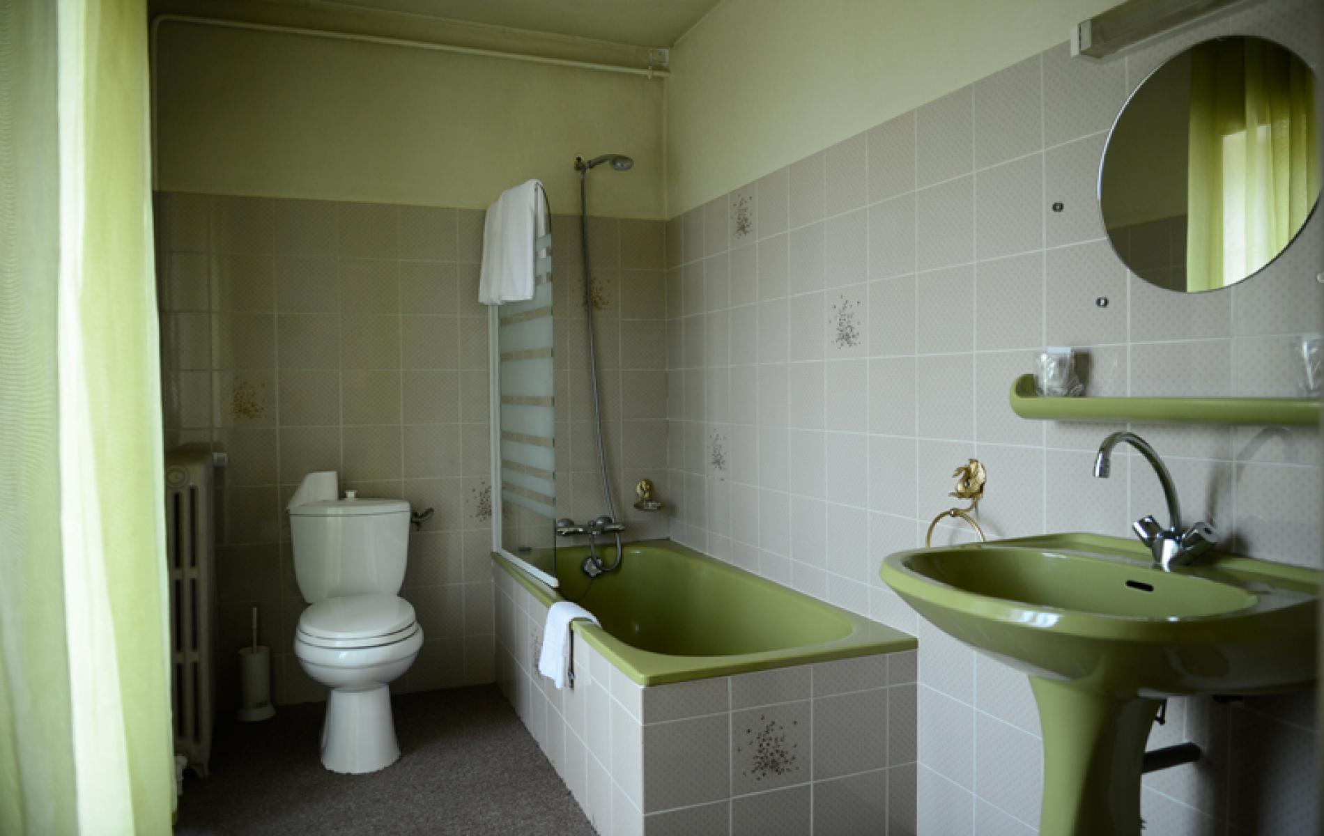 Chambre twin avec baignoire