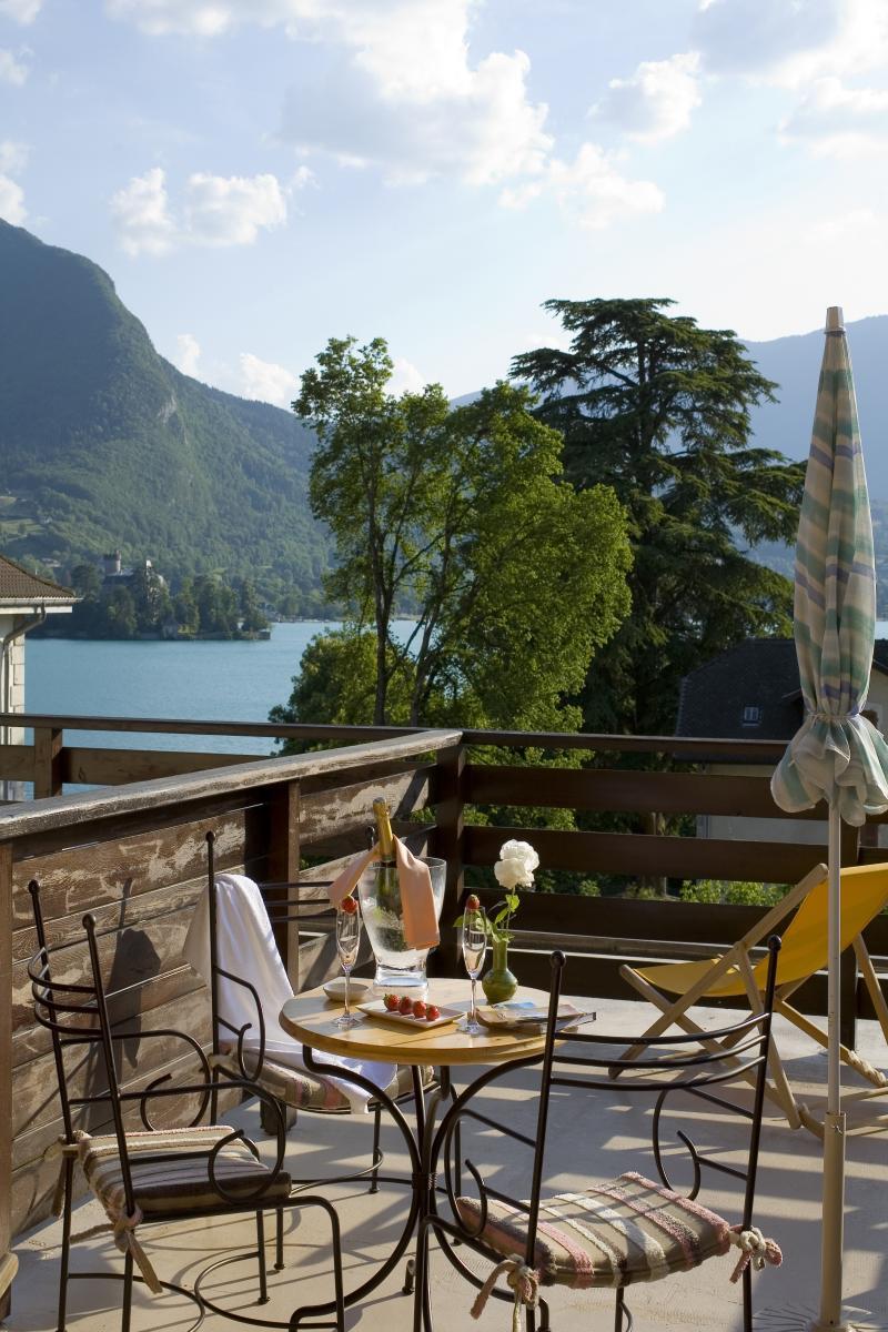 logis hotel restaurant talloires lake annecy. Black Bedroom Furniture Sets. Home Design Ideas