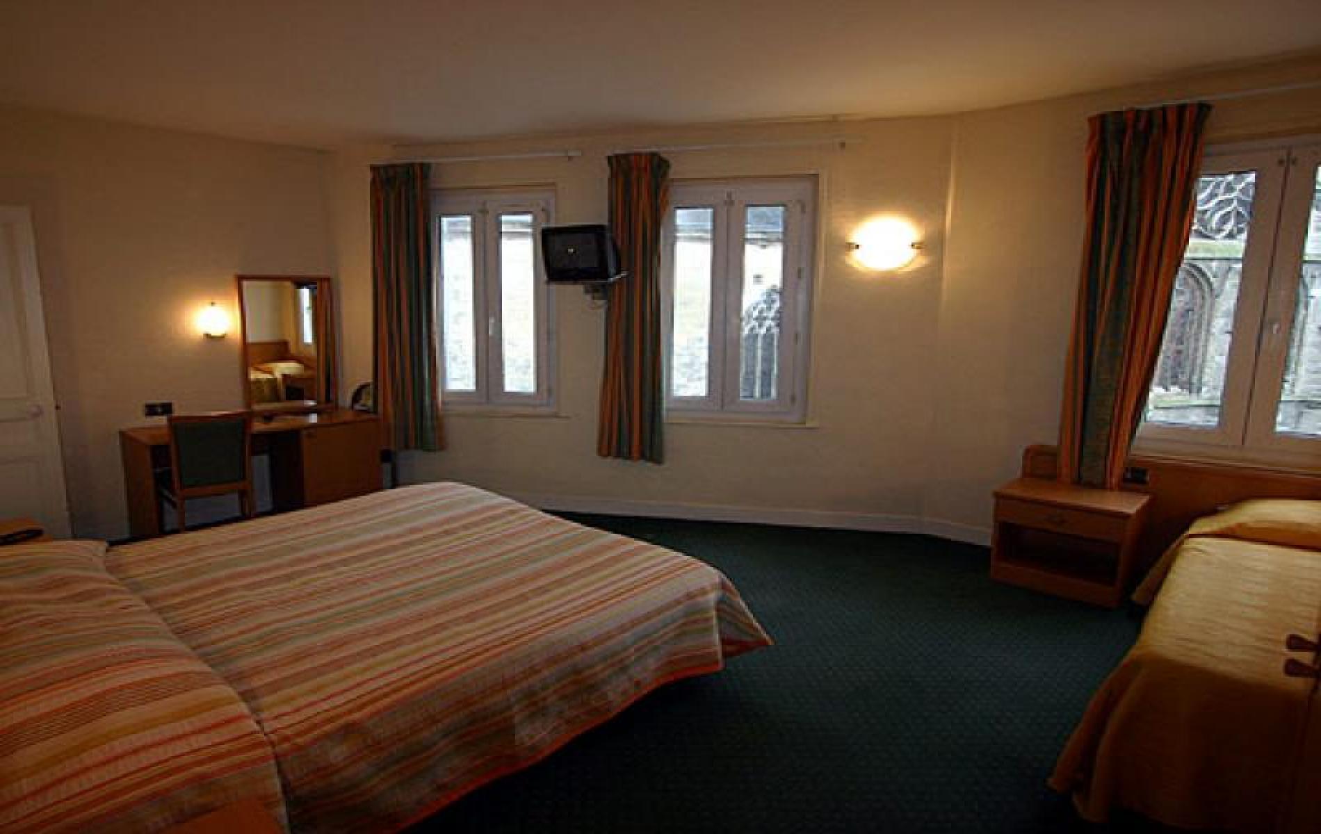 H tel normandy f camp chambres deux pas des quais for Chambre hotel normandie