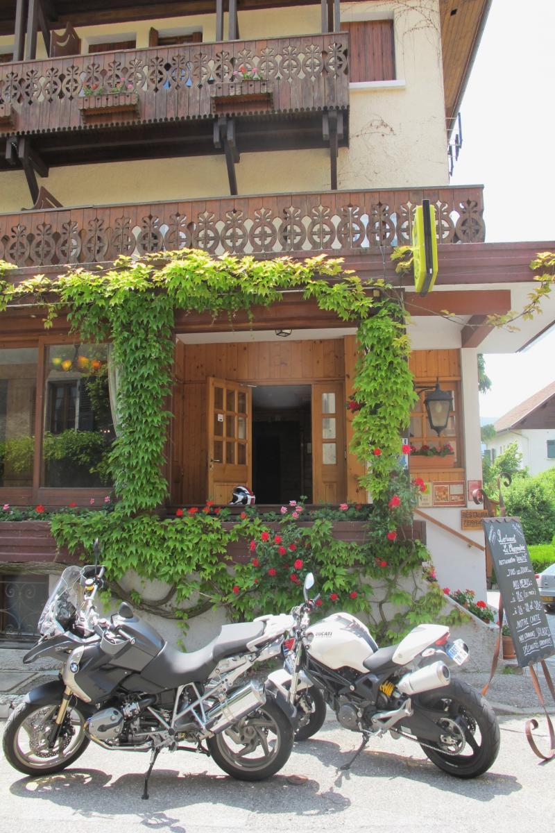 Hotel la savoyarde talloires webcam
