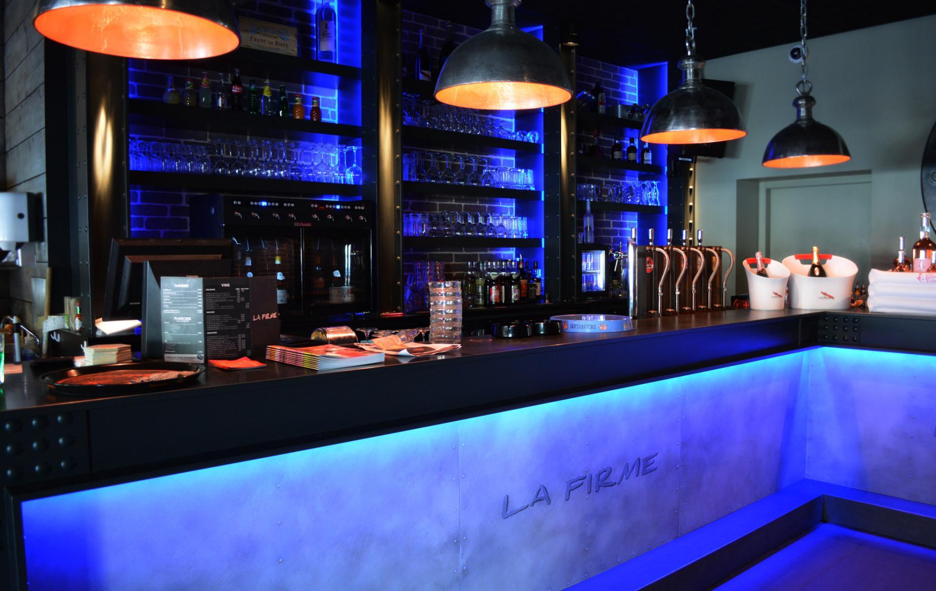 Comptoir bar - La Firme à Caen