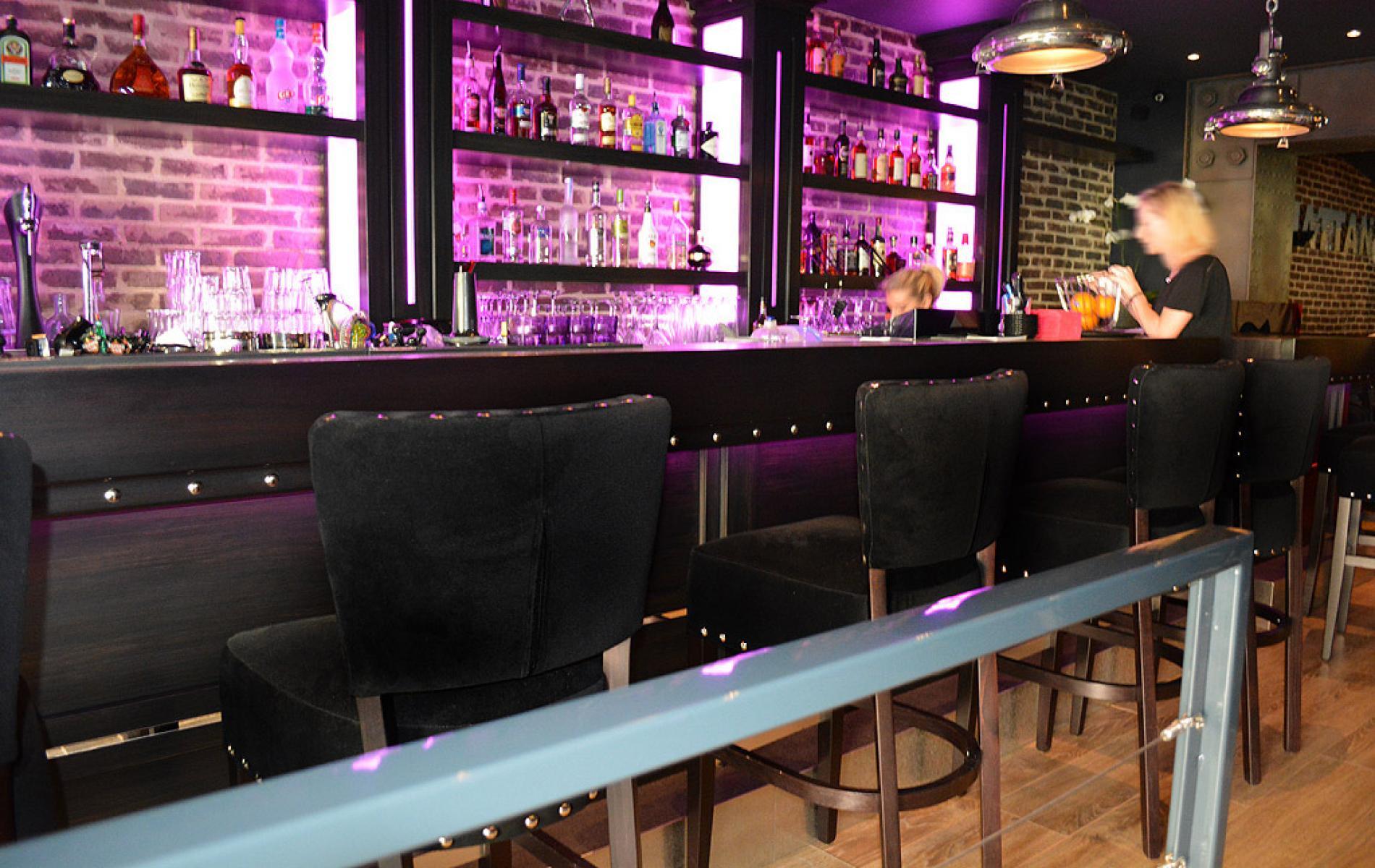 Comptoir de bar - Le Manhattan à Deauville