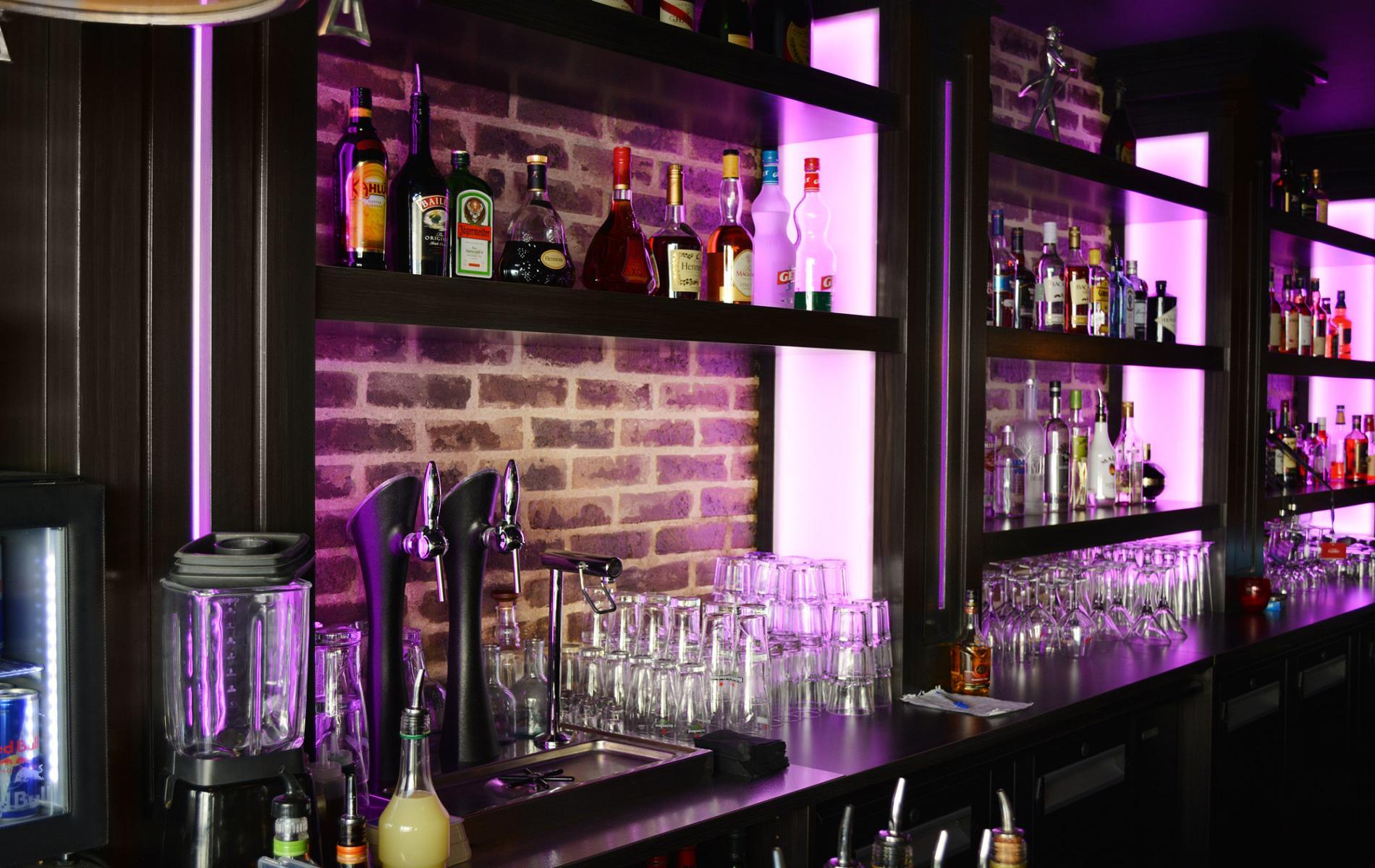 Arrière bar - Le Manhattan à Deauville