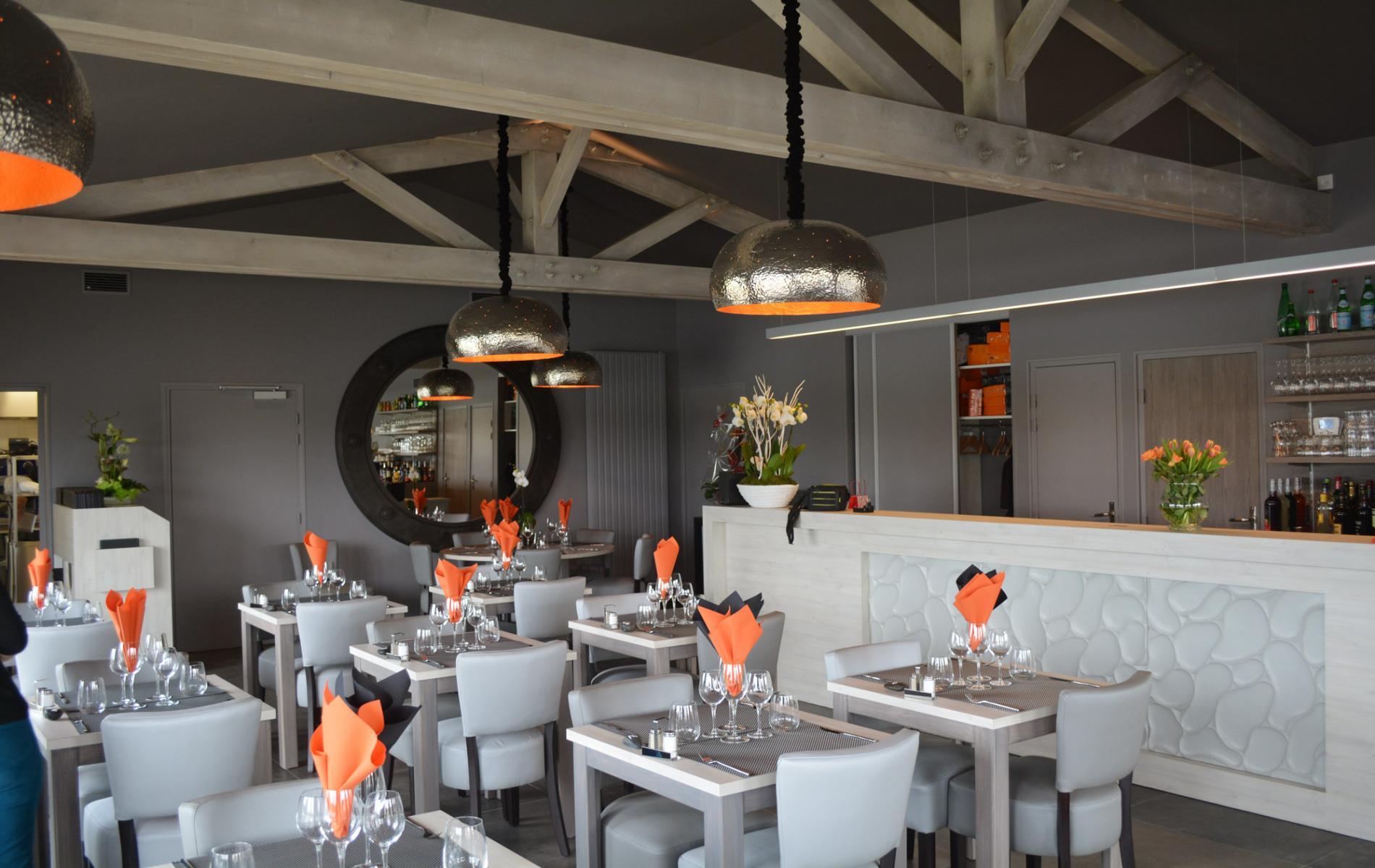 Salle de restaurant - Dégustation de l'île - Courseulles sur mer
