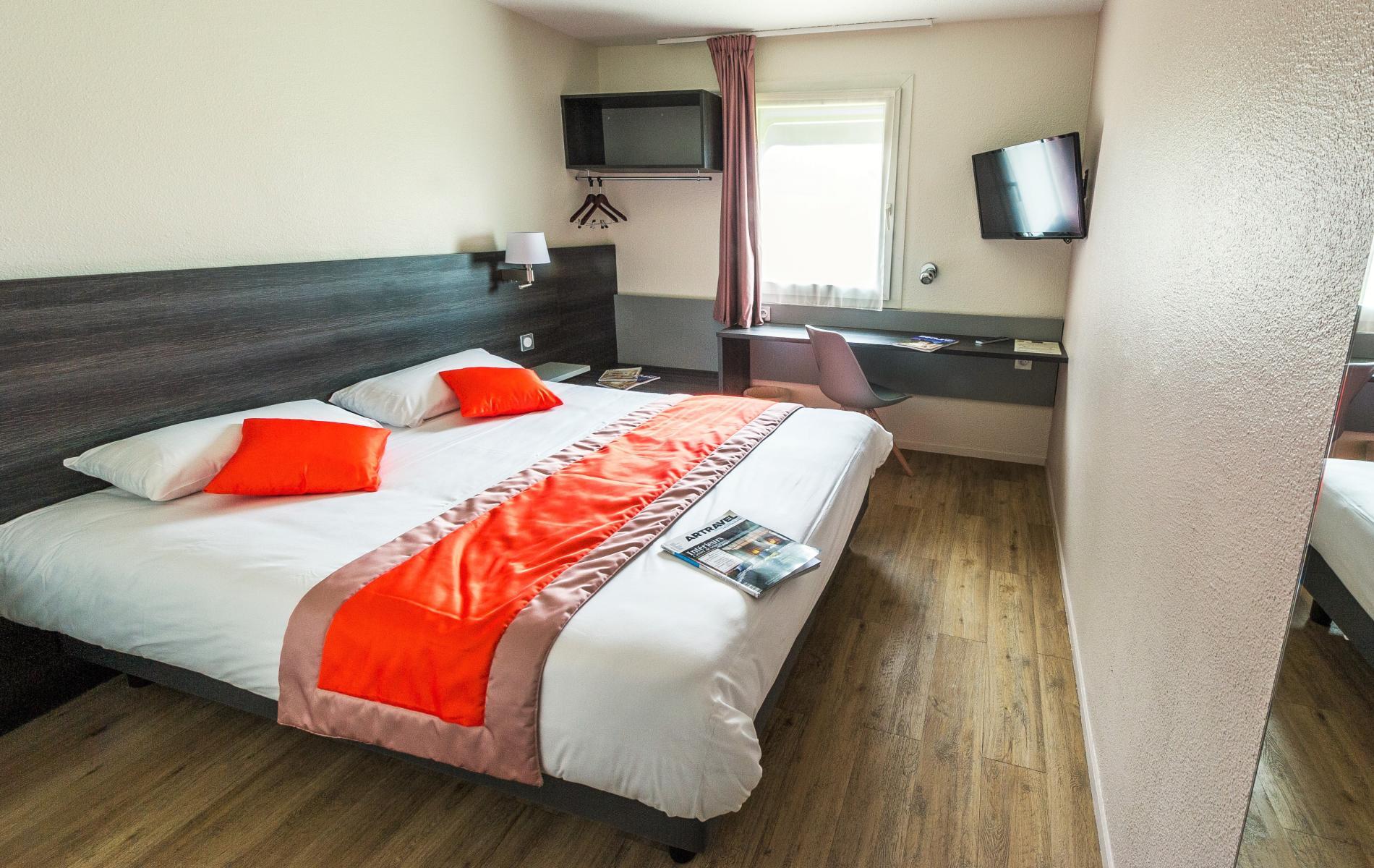 Chambres familiales l h tel carline beaune proches hospices de beaune for Tarif chambre double hopital