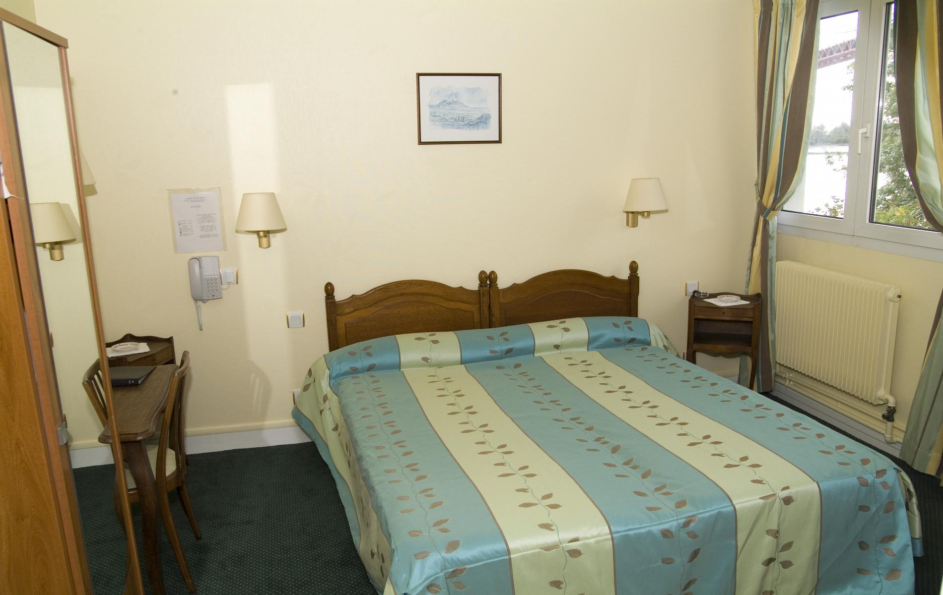 h tel pr s du havre la marine tancarville. Black Bedroom Furniture Sets. Home Design Ideas