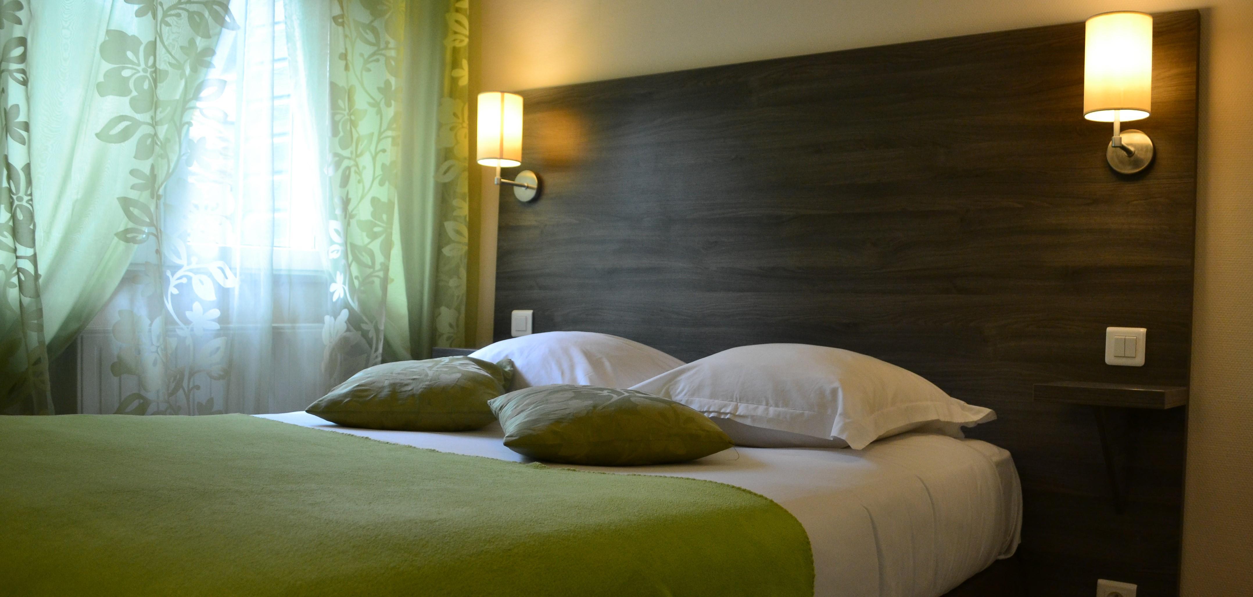 Logis hôtel situé dans le centre de Bolbec,  à 20 km de Honfleur