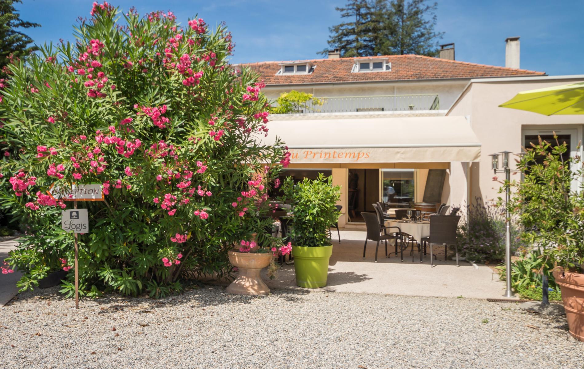 Venir l 39 h tel le printemps mont limar for Hotel autriche tyrol avec piscine