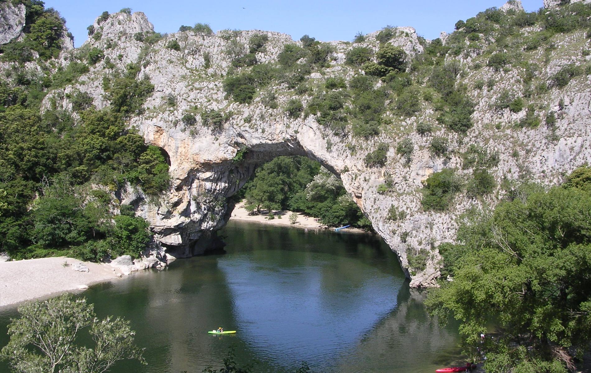 ∞ H´tel avec piscine pr¨s de Vallon Pont d Arc
