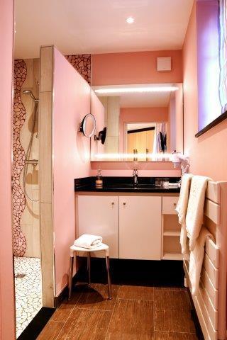 Salle de bain dans la villa