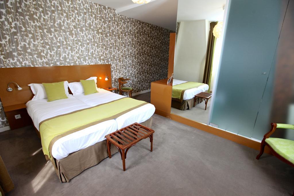 Chambres h tel bagnoles de l 39 orne proche flers en normandie for Chambre hotel normandie