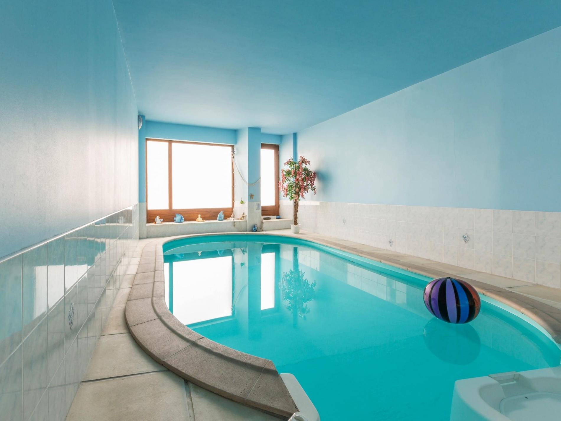 Logis h tel de charme avec piscine laussonne proche puy for Le clair logis