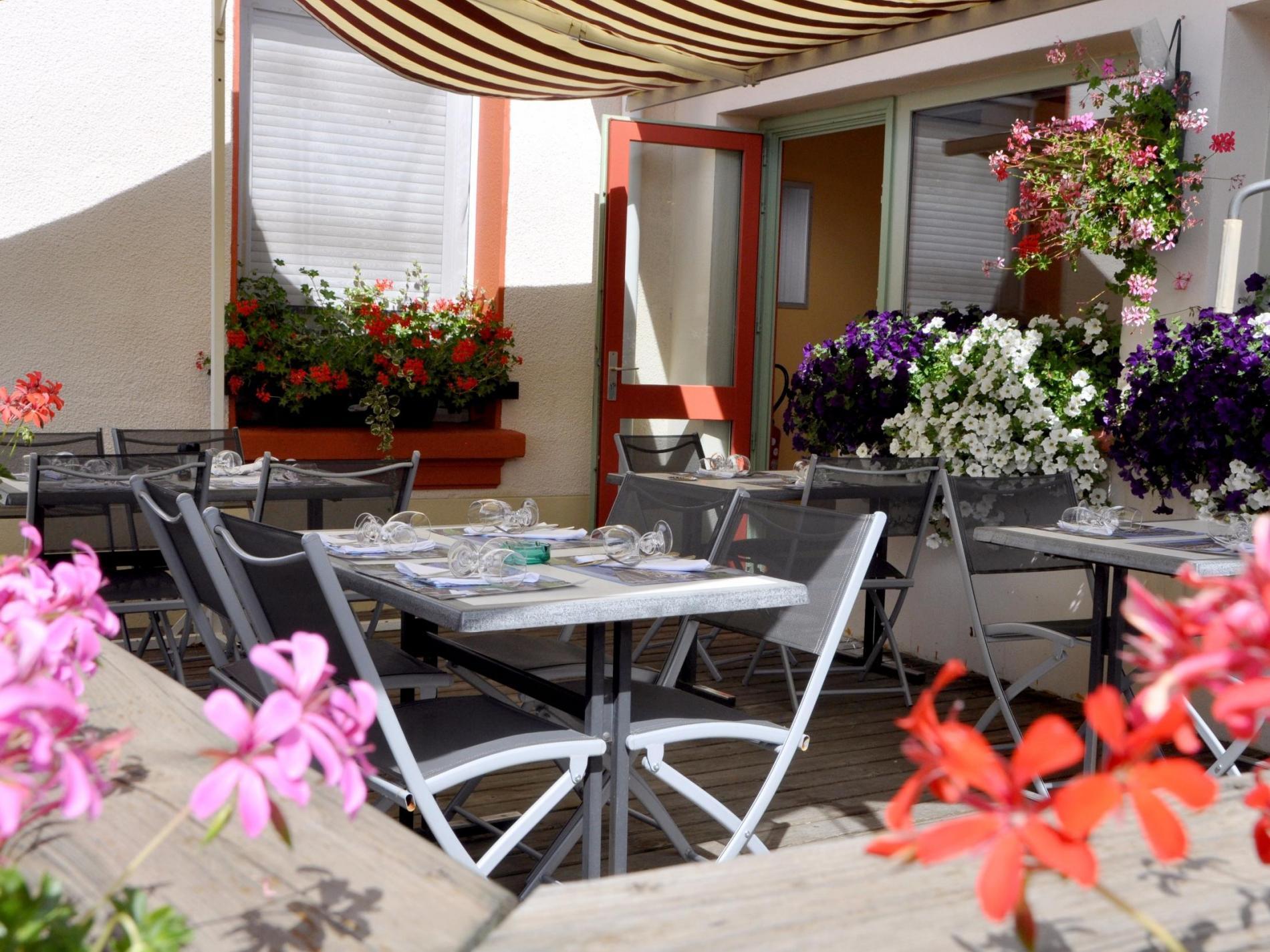 ∞Hôtel Restaurant Le Béfranc à Saint Bonnet le Château Loire
