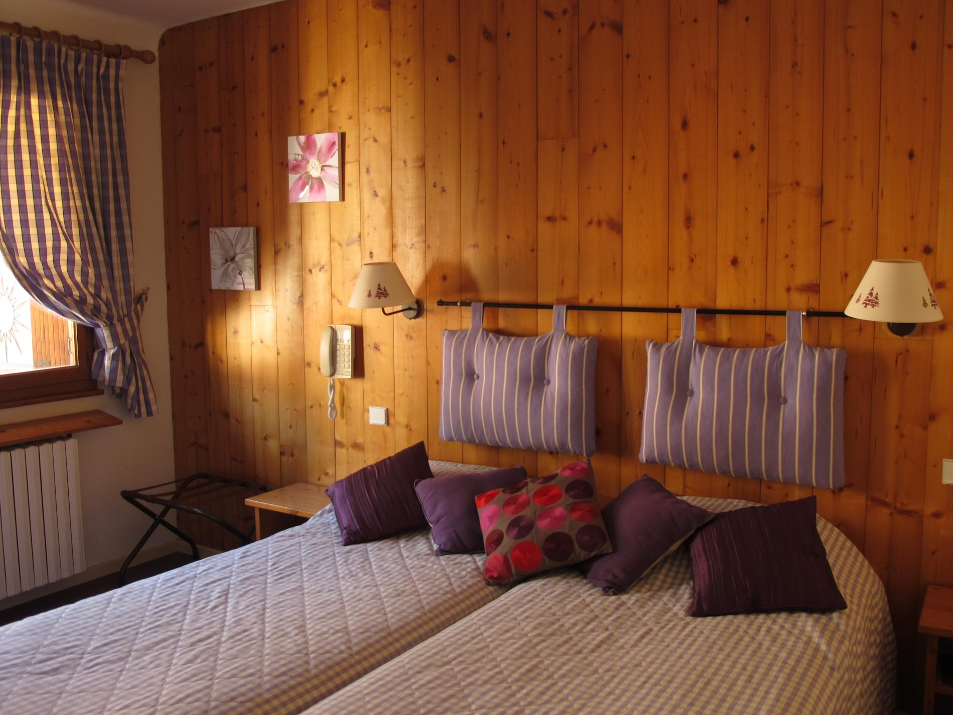 rates and offers of the hotel la charpenterie double room. Black Bedroom Furniture Sets. Home Design Ideas