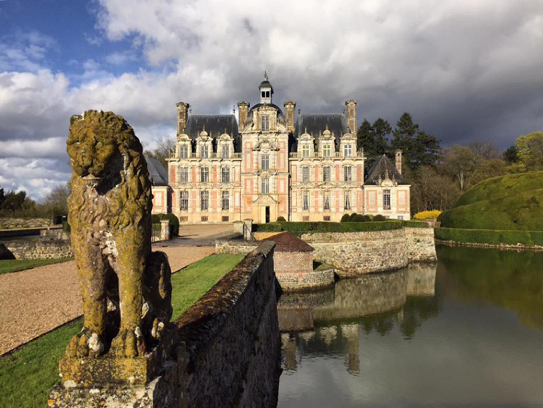 Beaumesnil castle