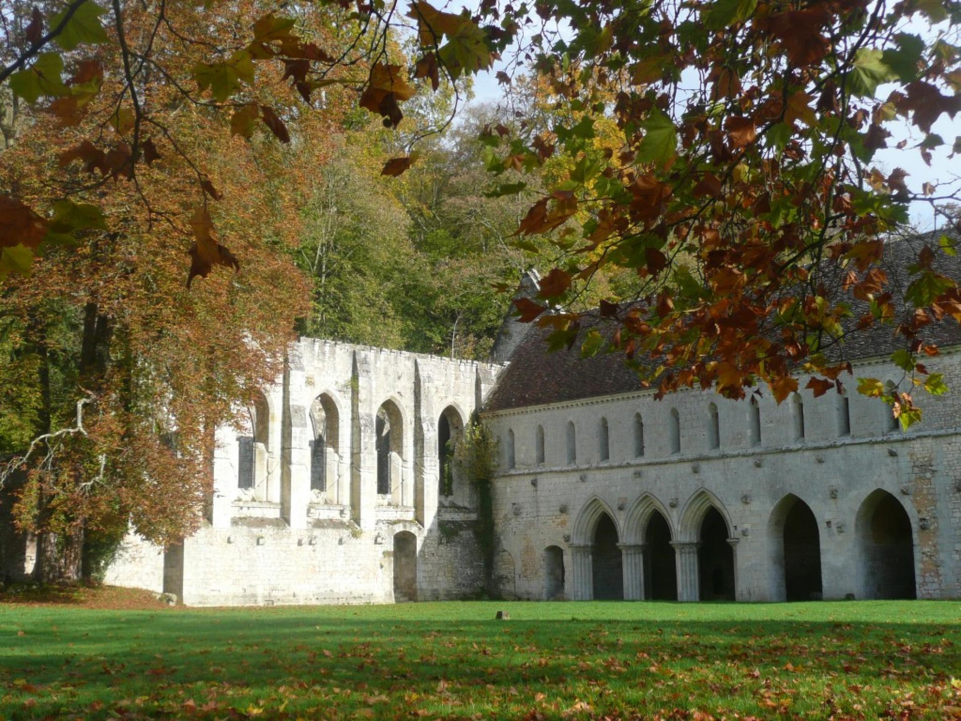 L'abbaye Notre-Dame de Fontaine-Guérard