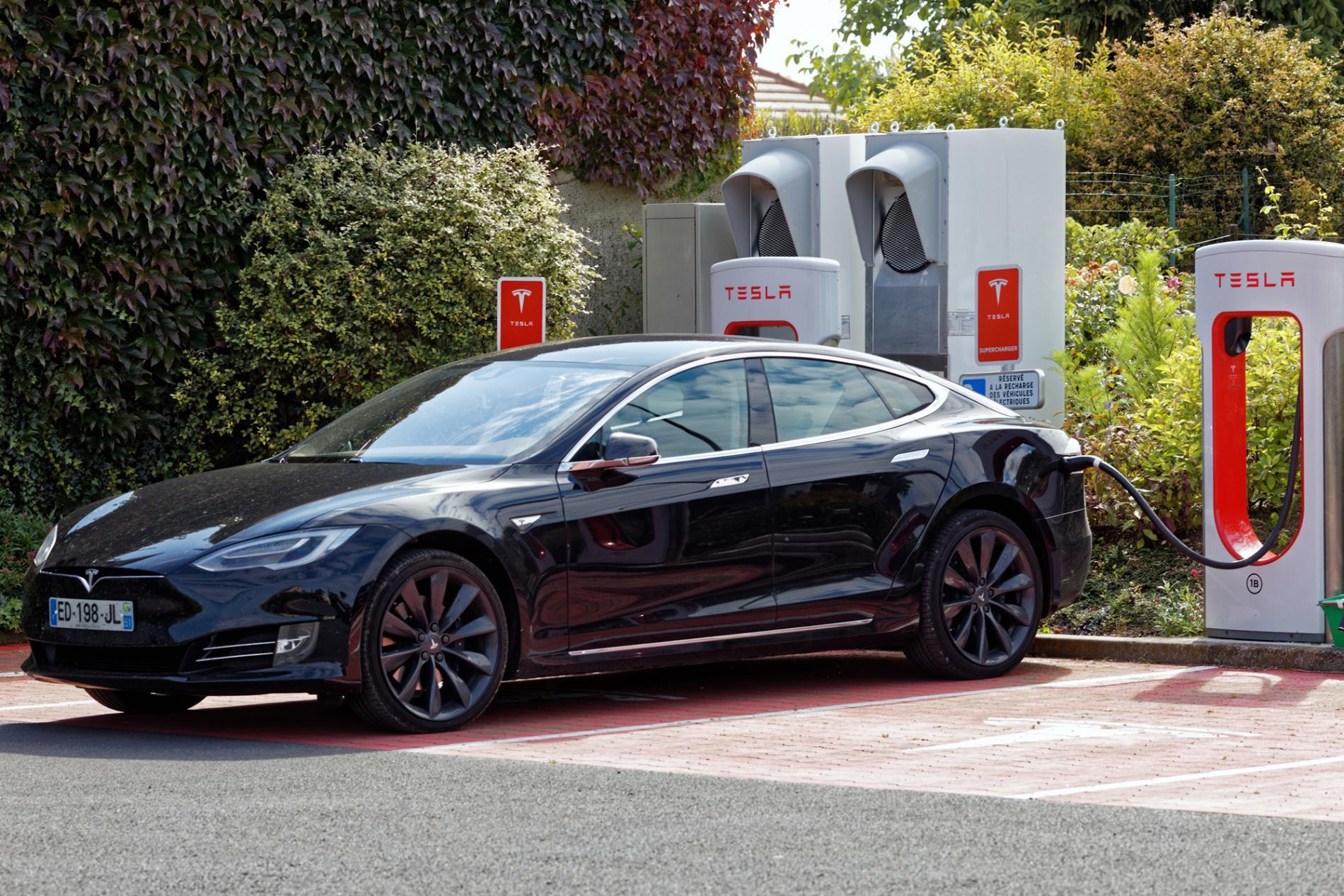 Tesla 4 Superchager terminal