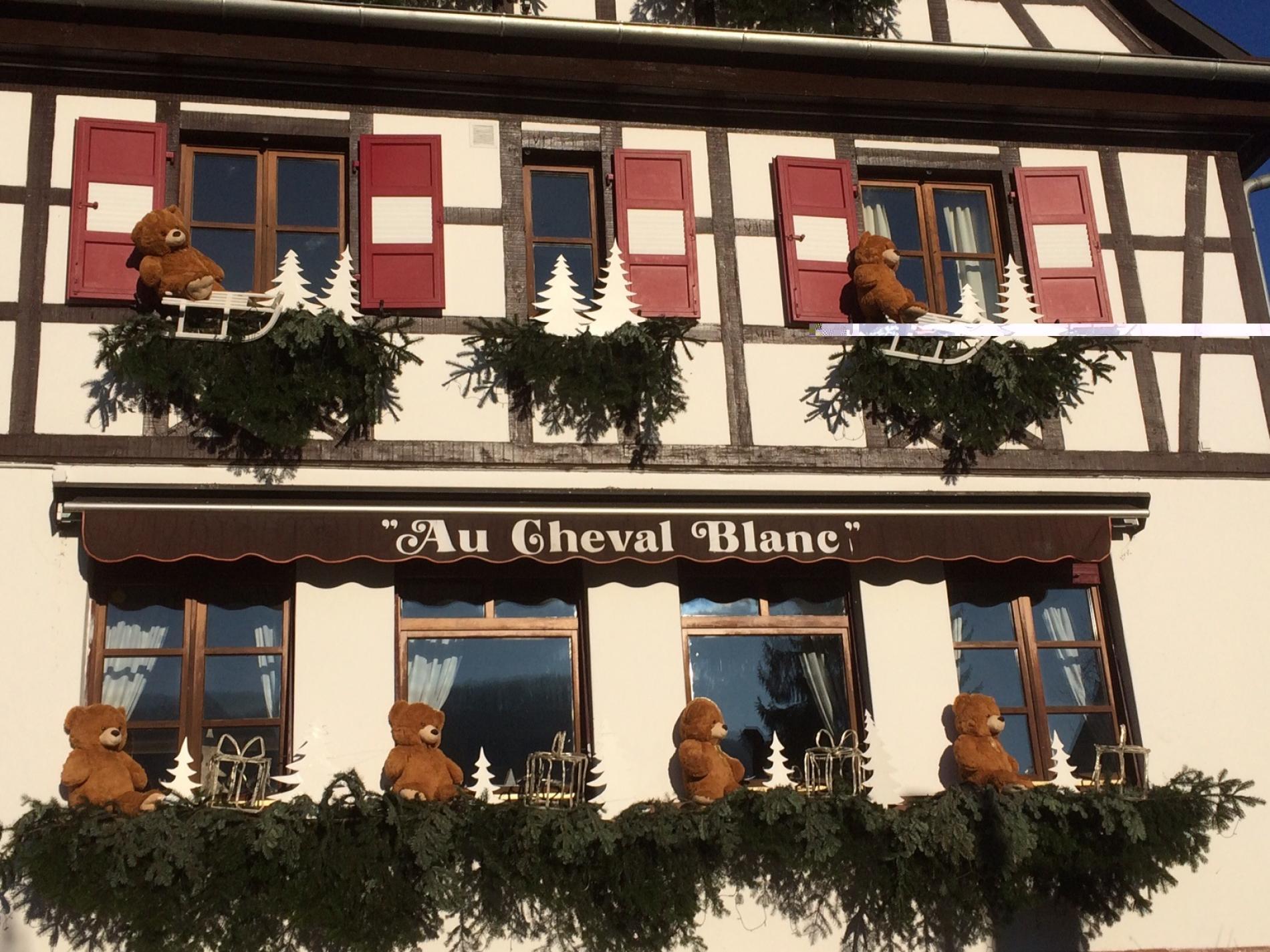 Décoration de Noël au Cheval Blanc à Niedersteinbach