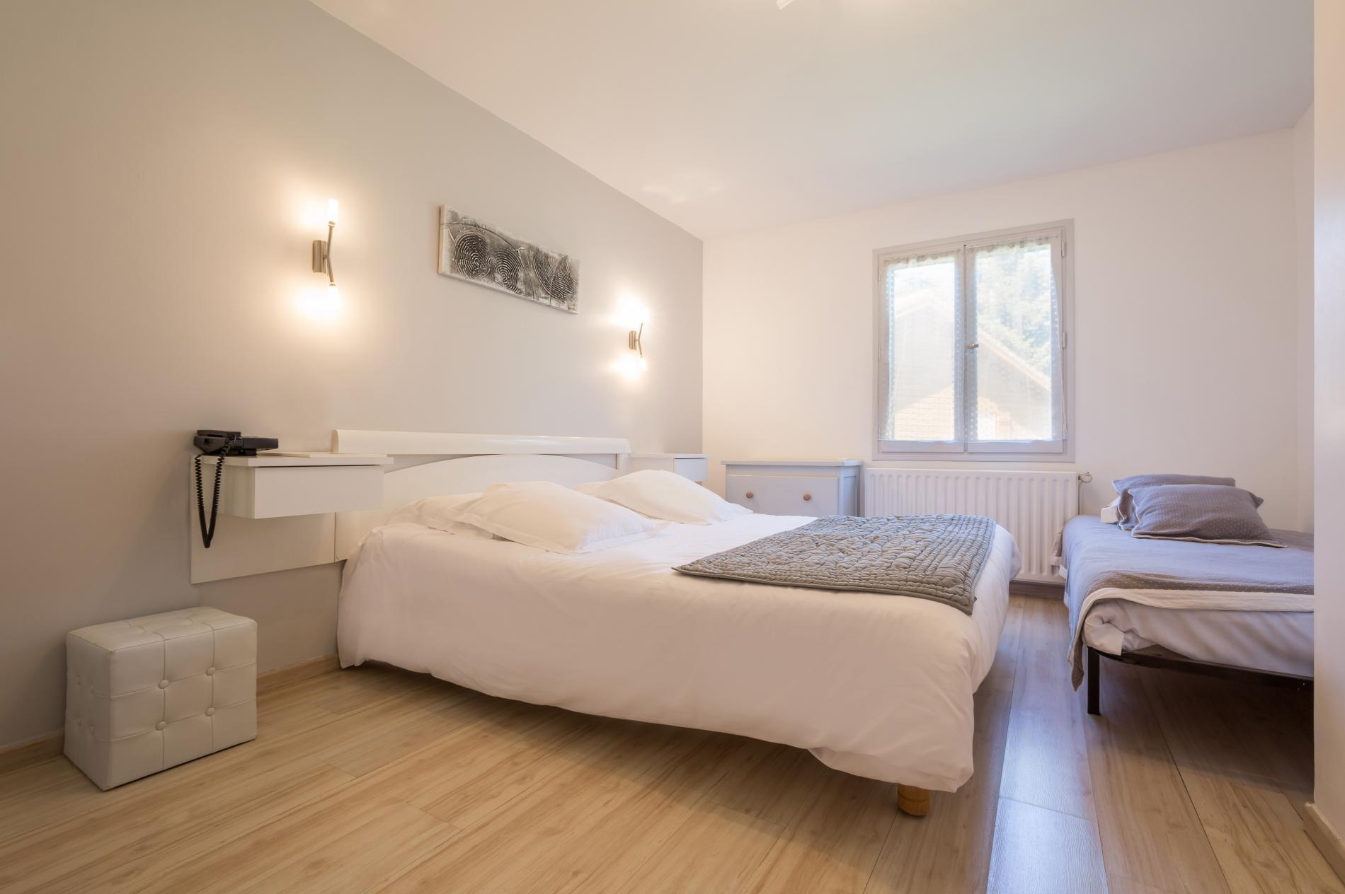 Tarifs et offres speciales hotel auvergne bord de loire chambre triple