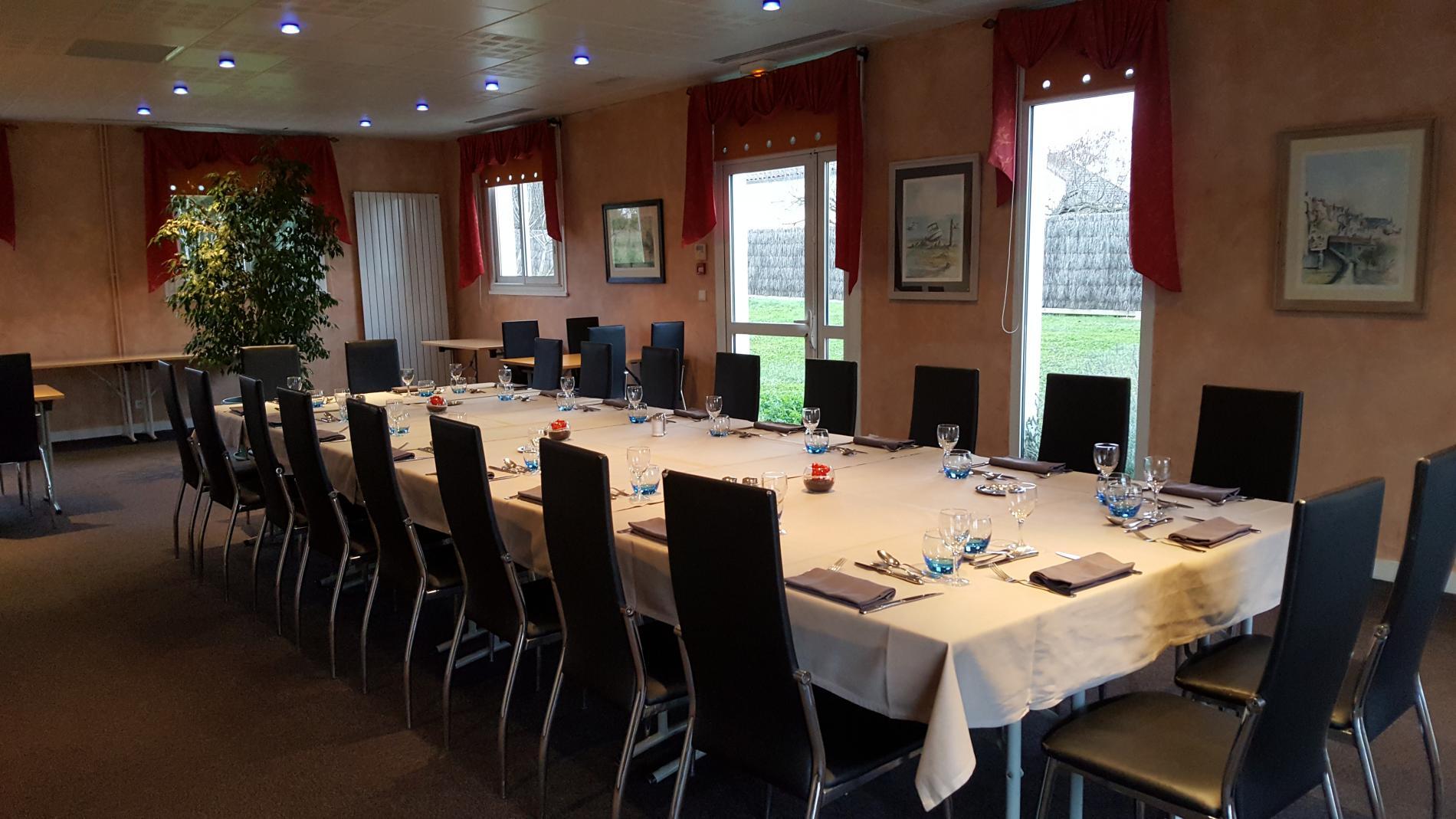 salle pour vos repas de famille