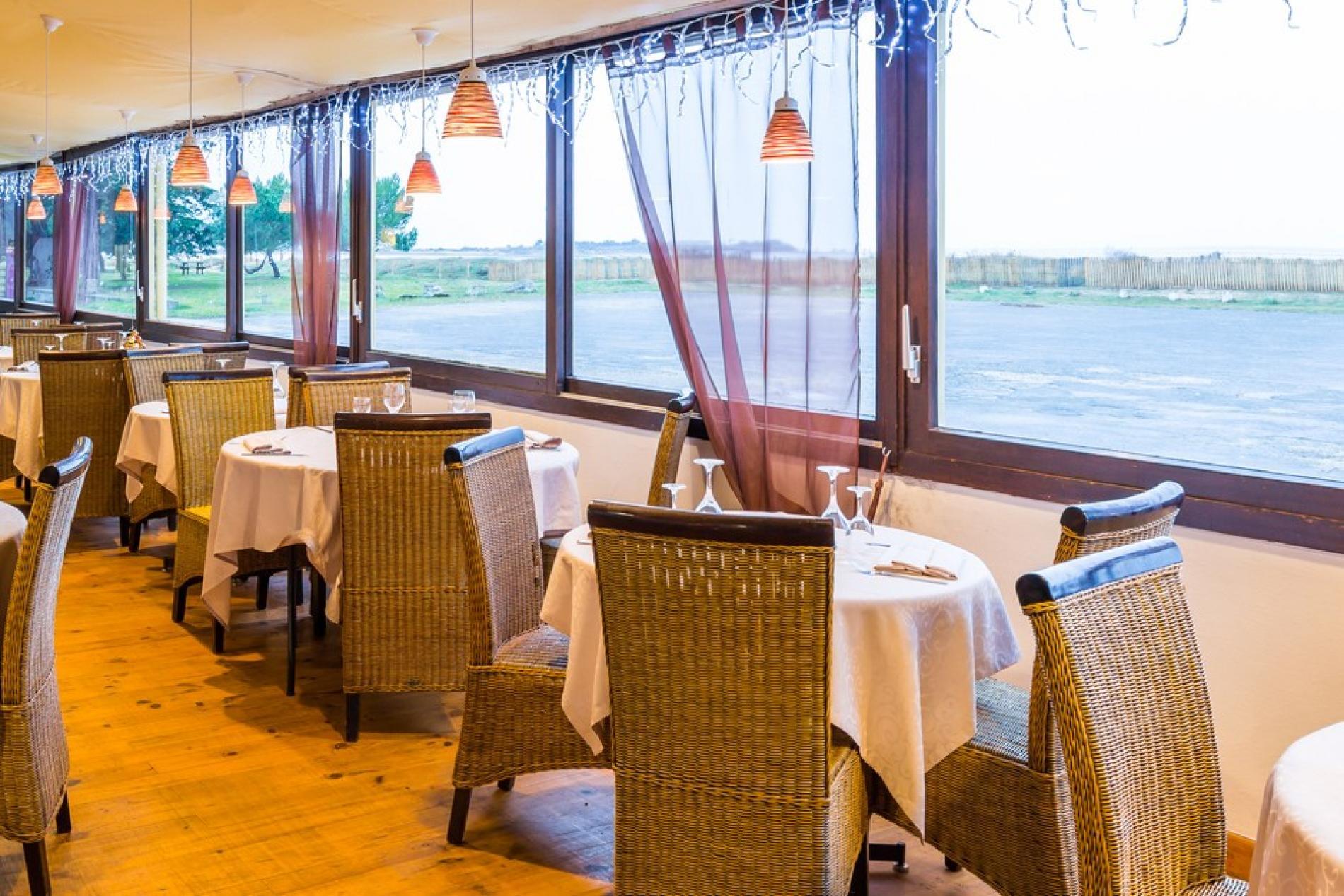 R ception la marine restaurant gastronomique 20 min - Restaurant la chaloupe port des barques ...