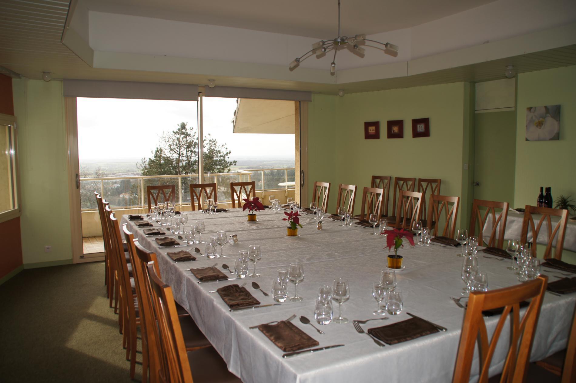 Restaurant De Groupes U00e0 Pouzauges En Vend U00e9e  Auberge De La