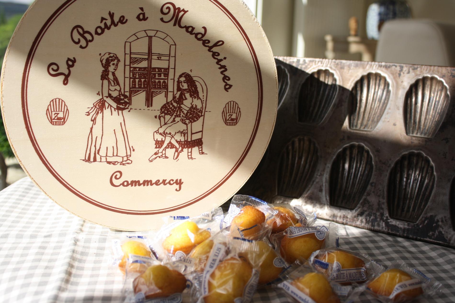 """The """"Maison ZINS"""" madeleines box"""