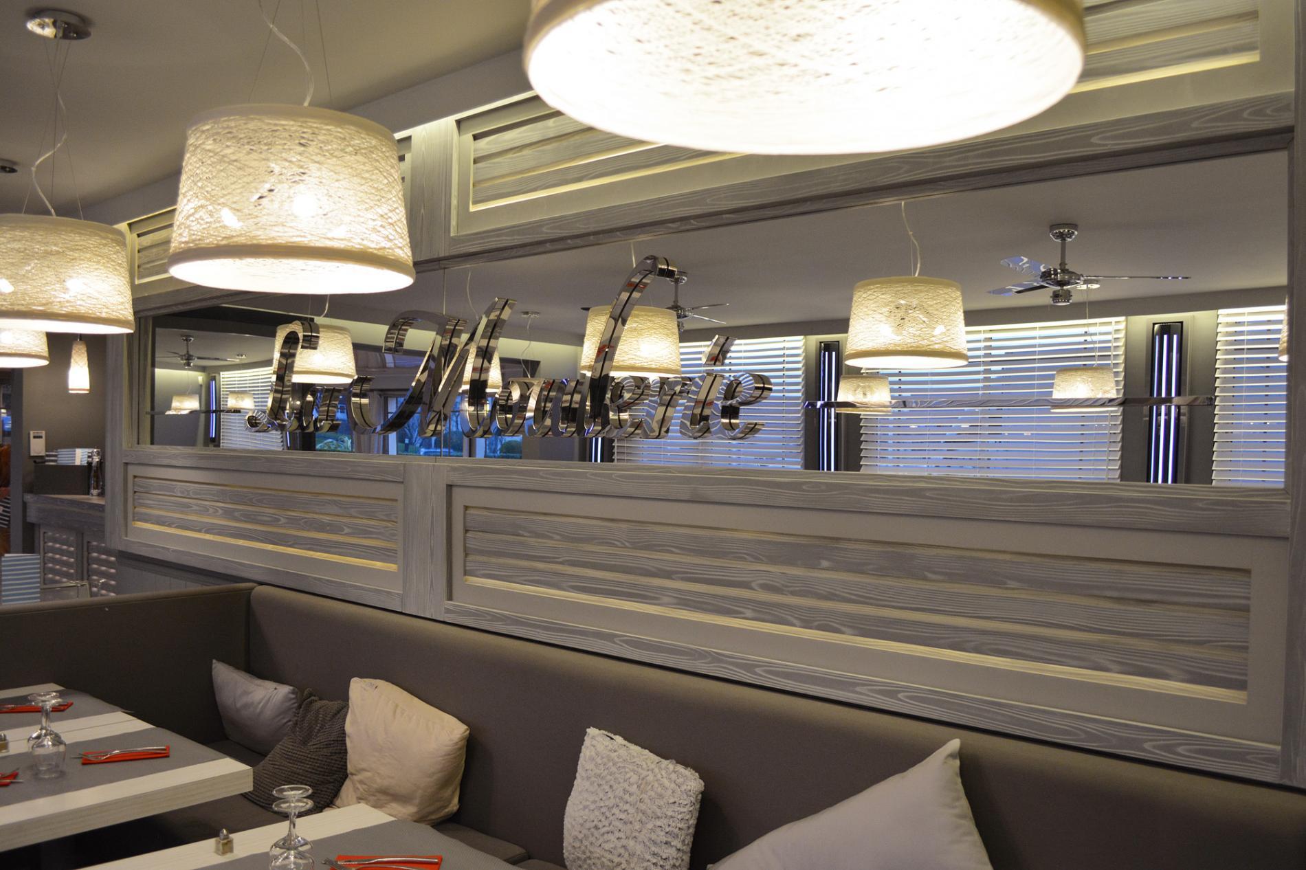 Décor salle de restaurant La Moulerie - Ouistreham