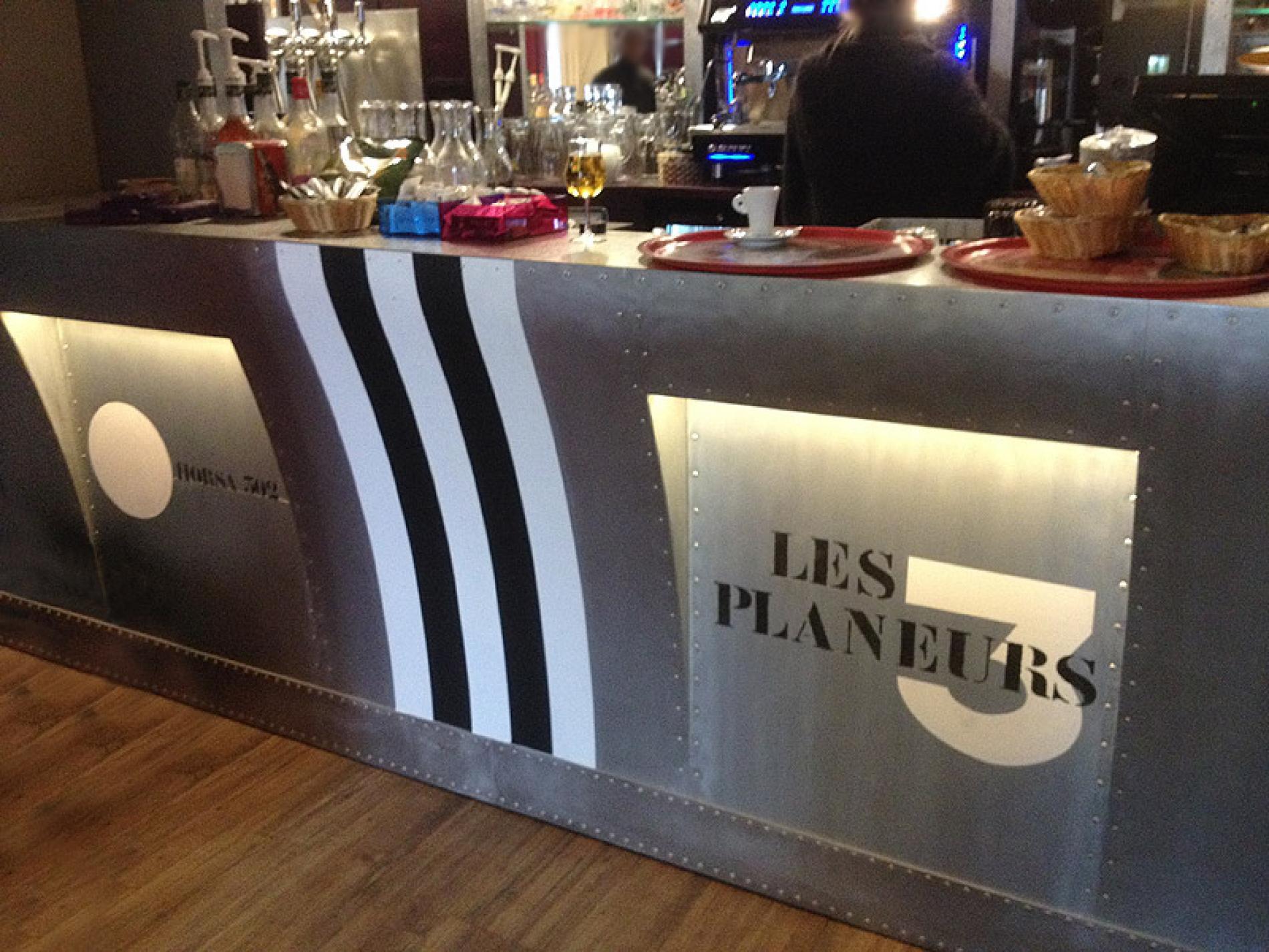 comptoir de Bar - les 3 Planeurs  - Bénouville