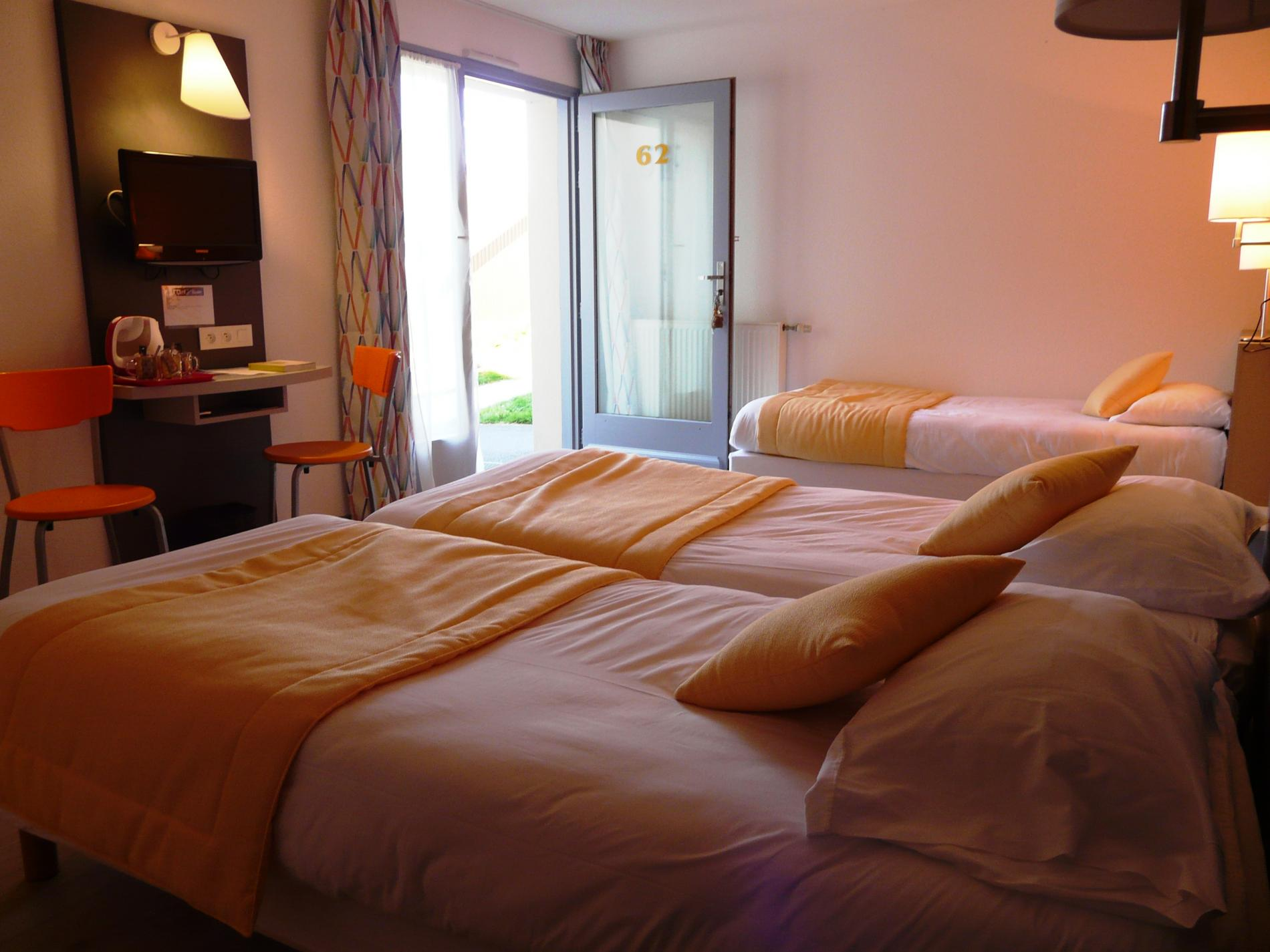 Offers And Rates Hotel De La Baie In Paimpol Comfort Category 3 People