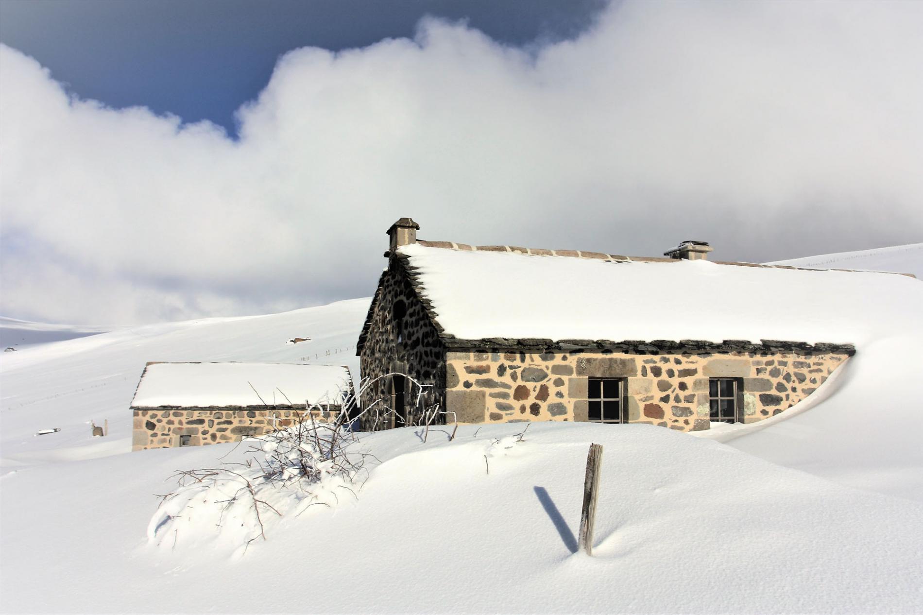 Le buron de Bâne en hiver