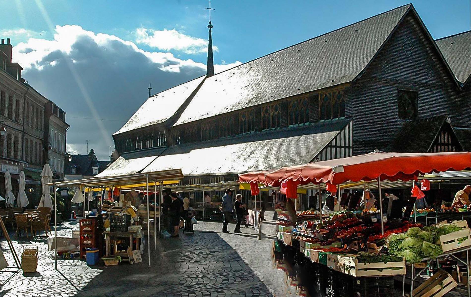 Honfleur's traditional market