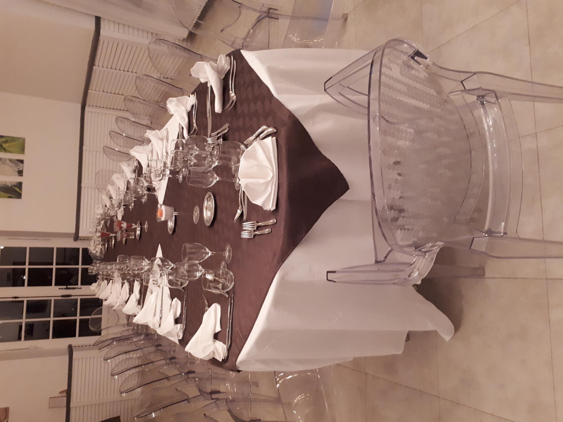 Table pour grand repas